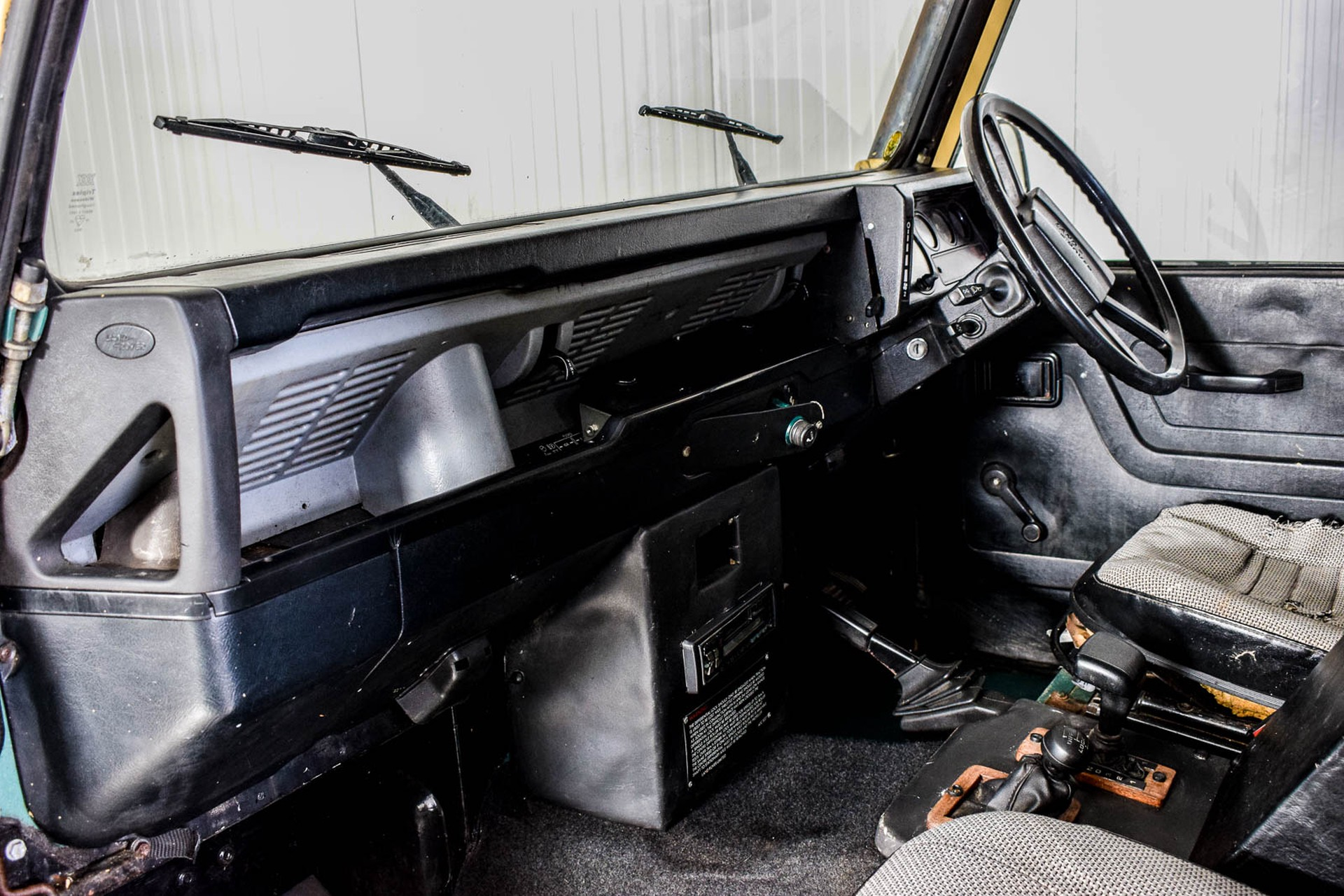 Land Rover Defender 90 2.5 TDi Automaat Foto 23