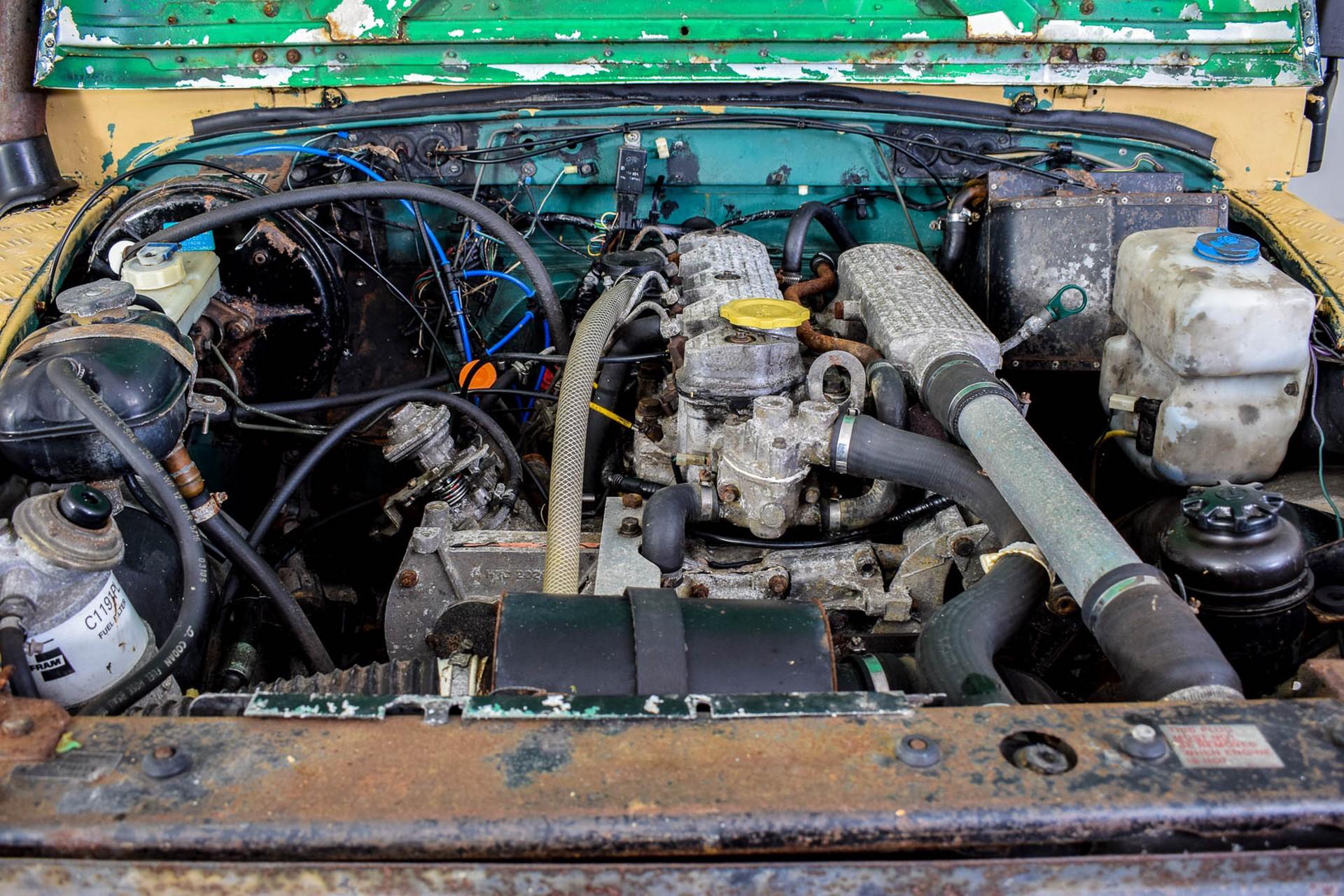 Land Rover Defender 90 2.5 TDi Automaat Foto 24