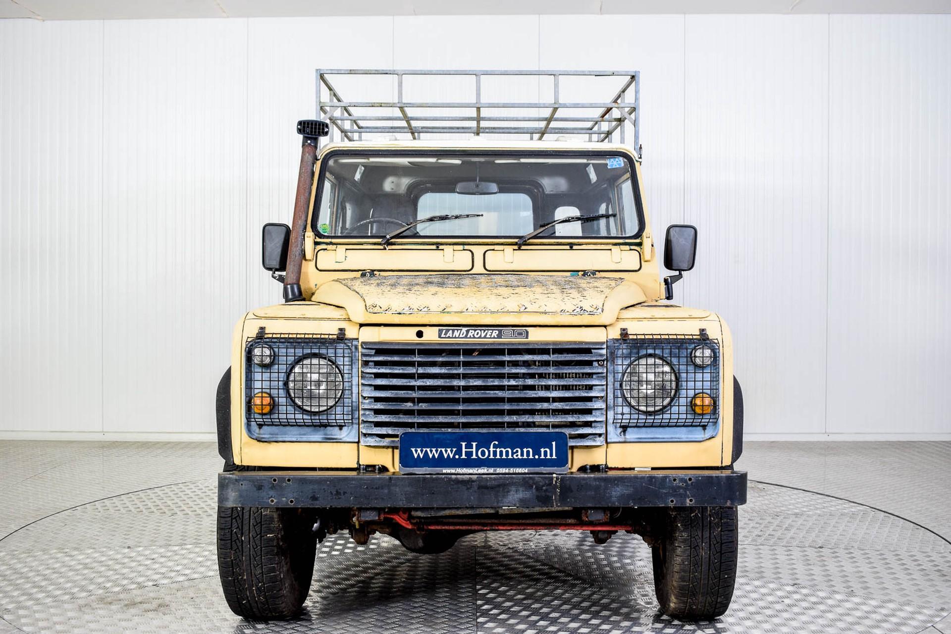Land Rover Defender 90 2.5 TDi Automaat Foto 3