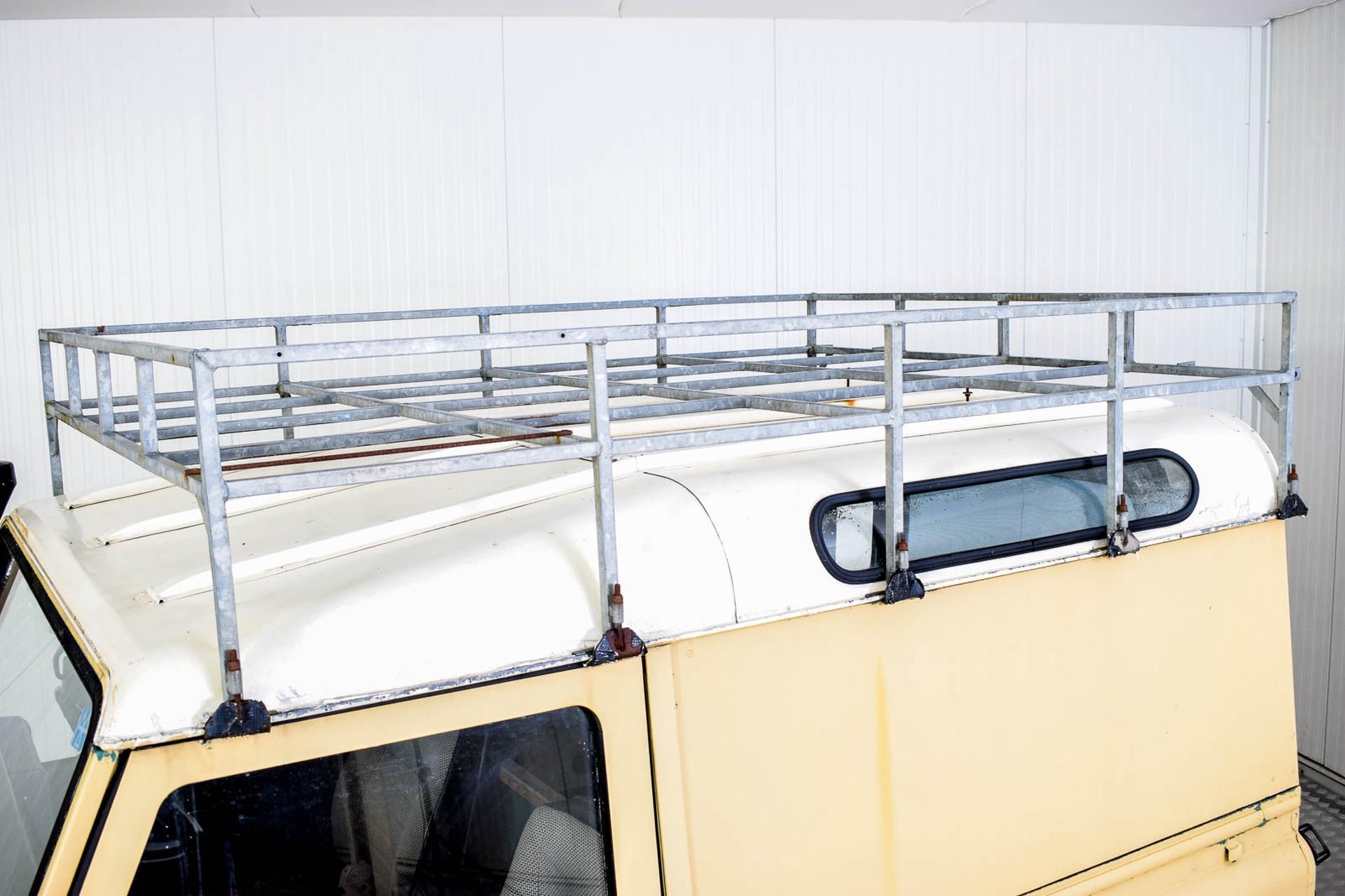 Land Rover Defender 90 2.5 TDi Automaat Foto 31