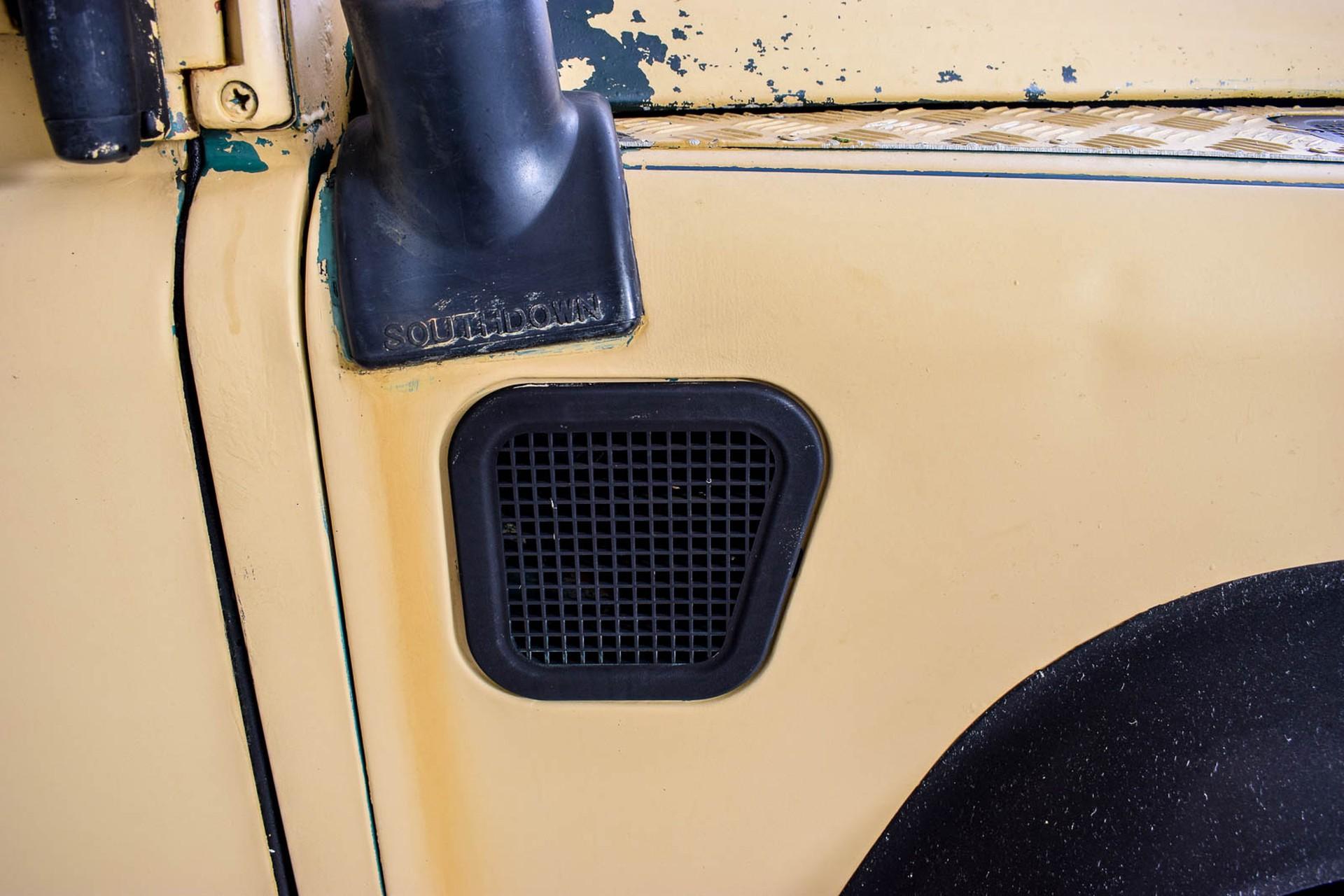 Land Rover Defender 90 2.5 TDi Automaat Foto 32