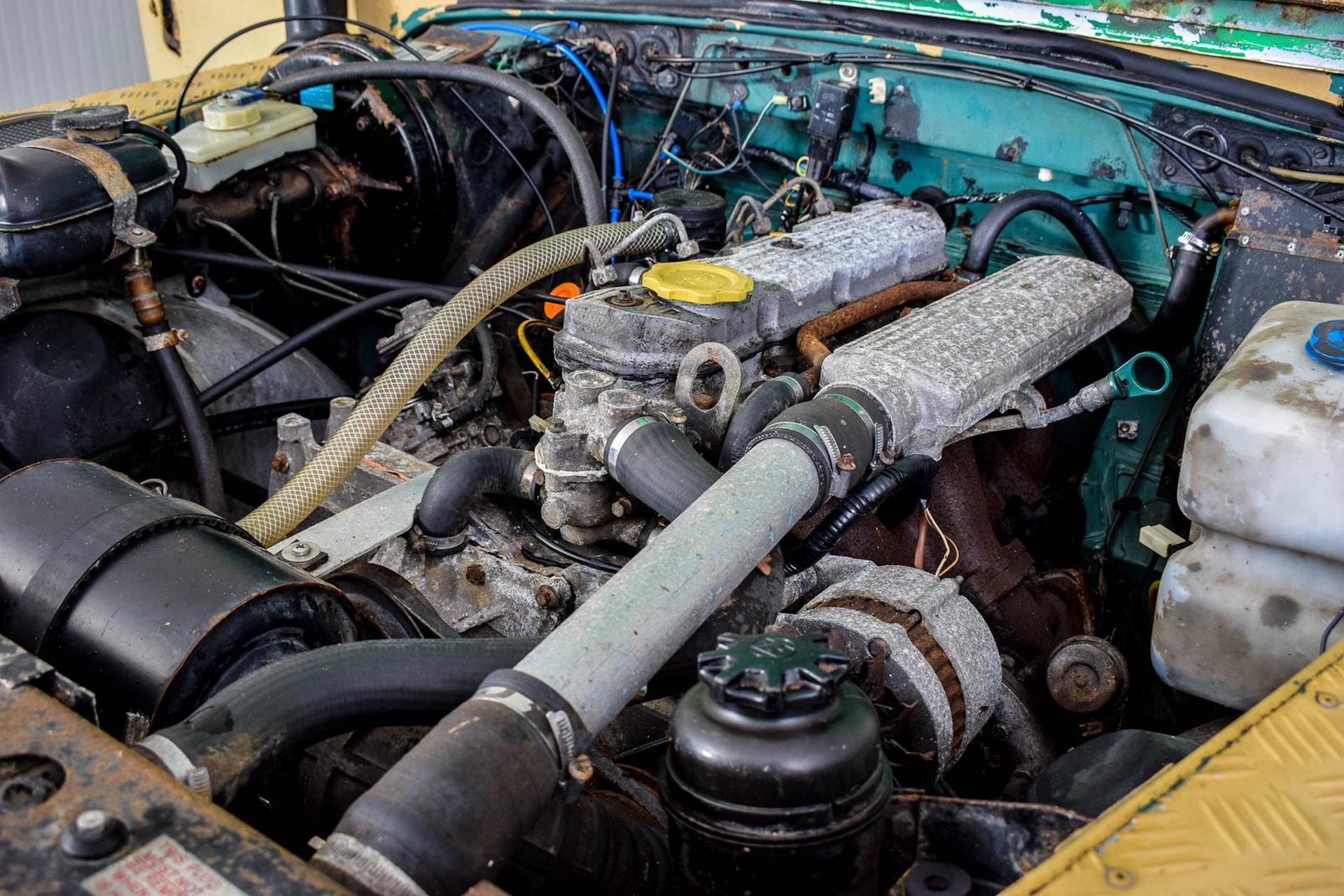 Land Rover Defender 90 2.5 TDi Automaat Foto 42