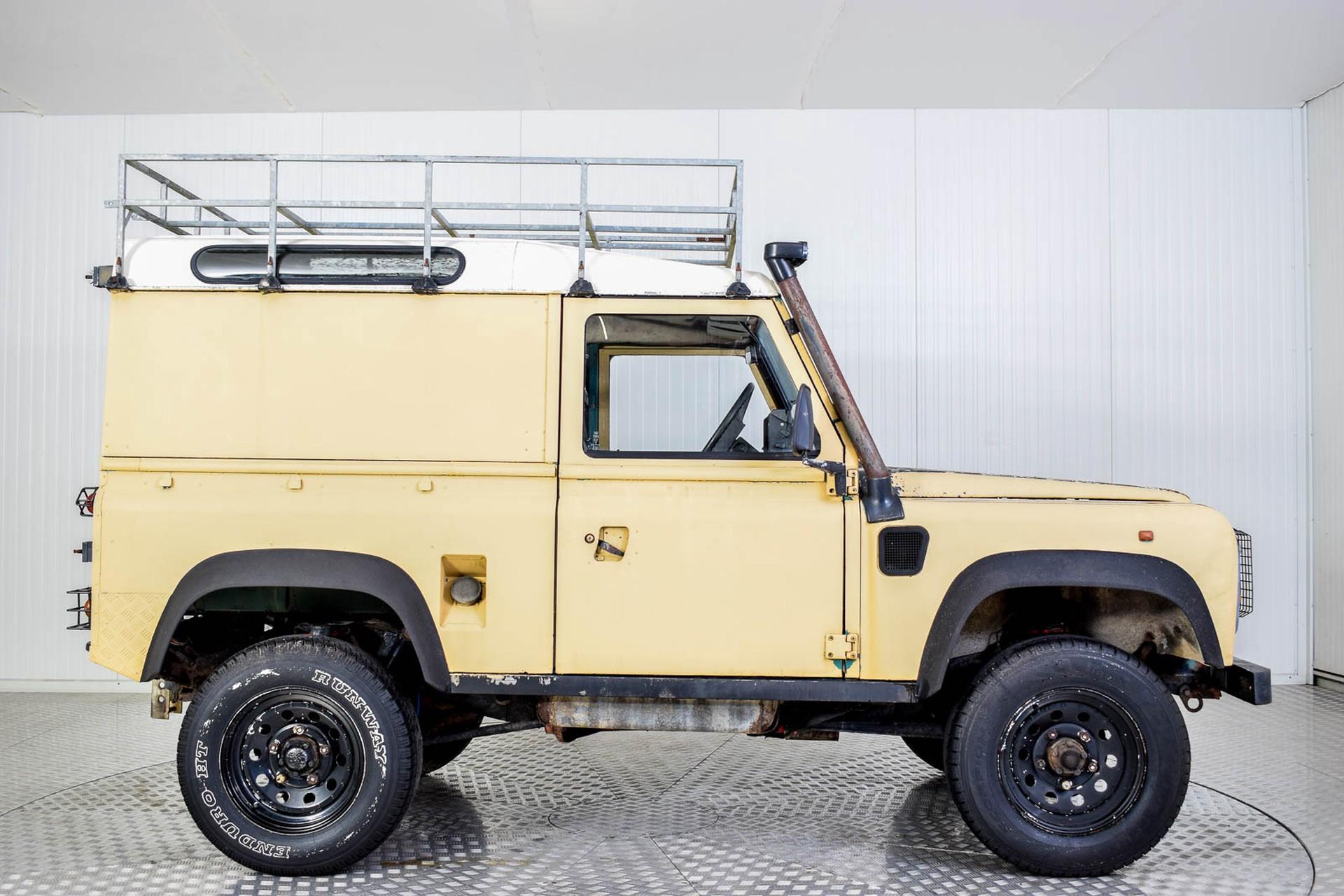 Land Rover Defender 90 2.5 TDi Automaat Foto 48