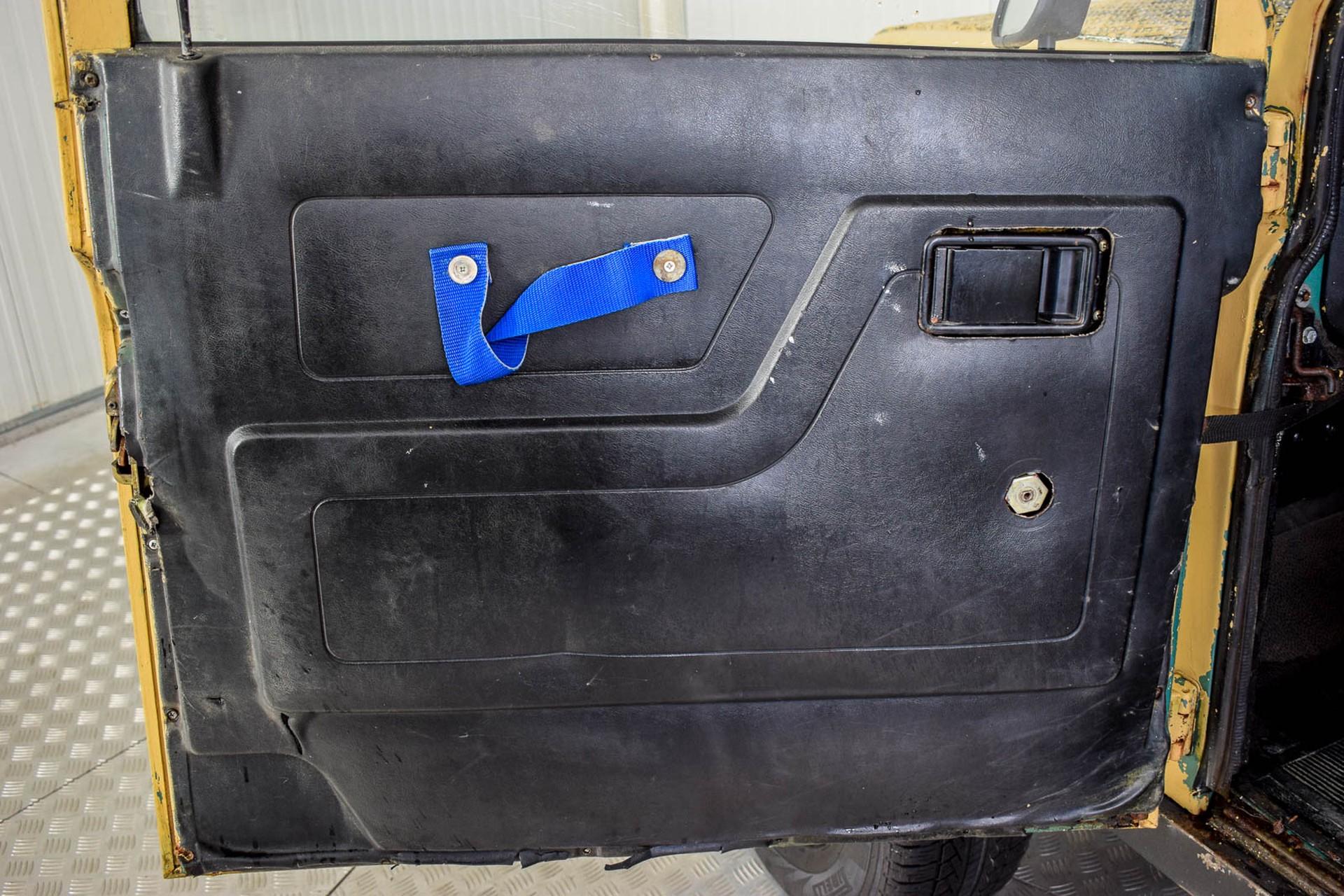 Land Rover Defender 90 2.5 TDi Automaat Foto 50