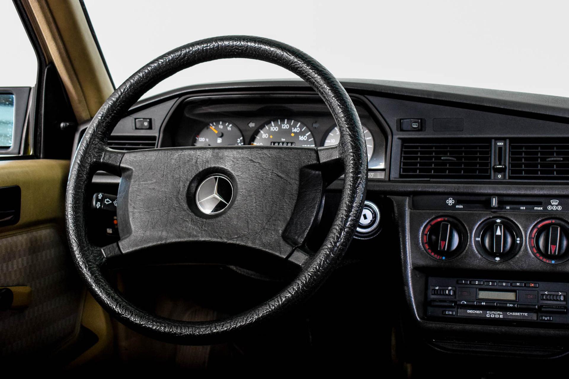 Mercedes-Benz 190 2.5 D Turbo Diesel Foto 17