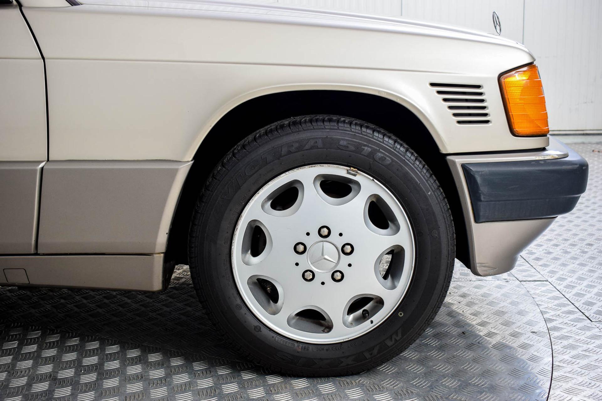 Mercedes-Benz 190 2.5 D Turbo Diesel Foto 22
