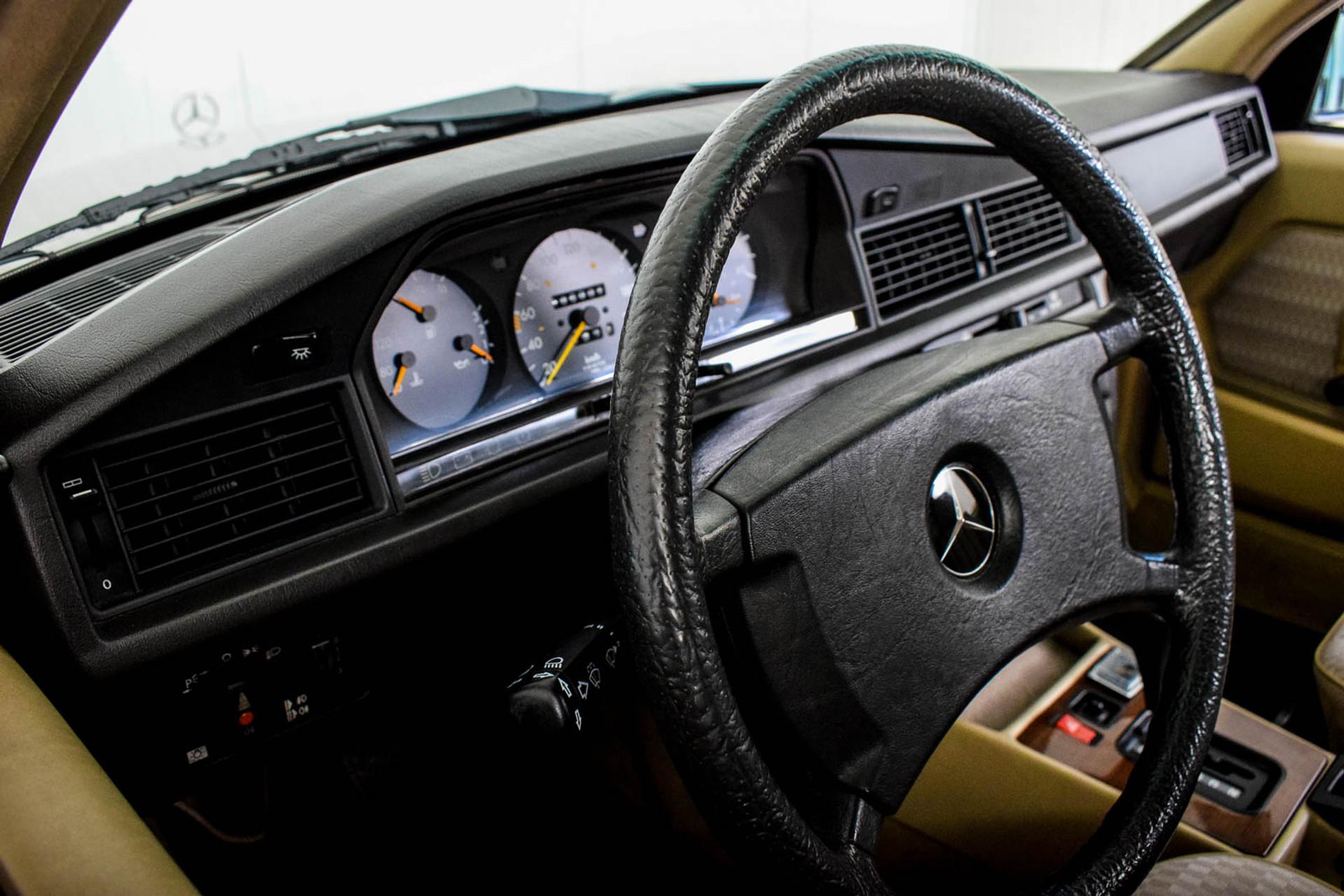 Mercedes-Benz 190 2.5 D Turbo Diesel Foto 35
