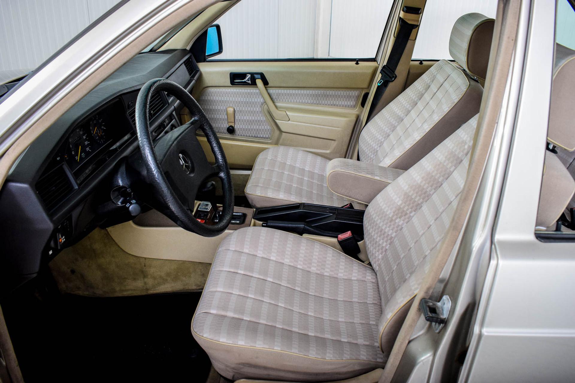 Mercedes-Benz 190 2.5 D Turbo Diesel Foto 5
