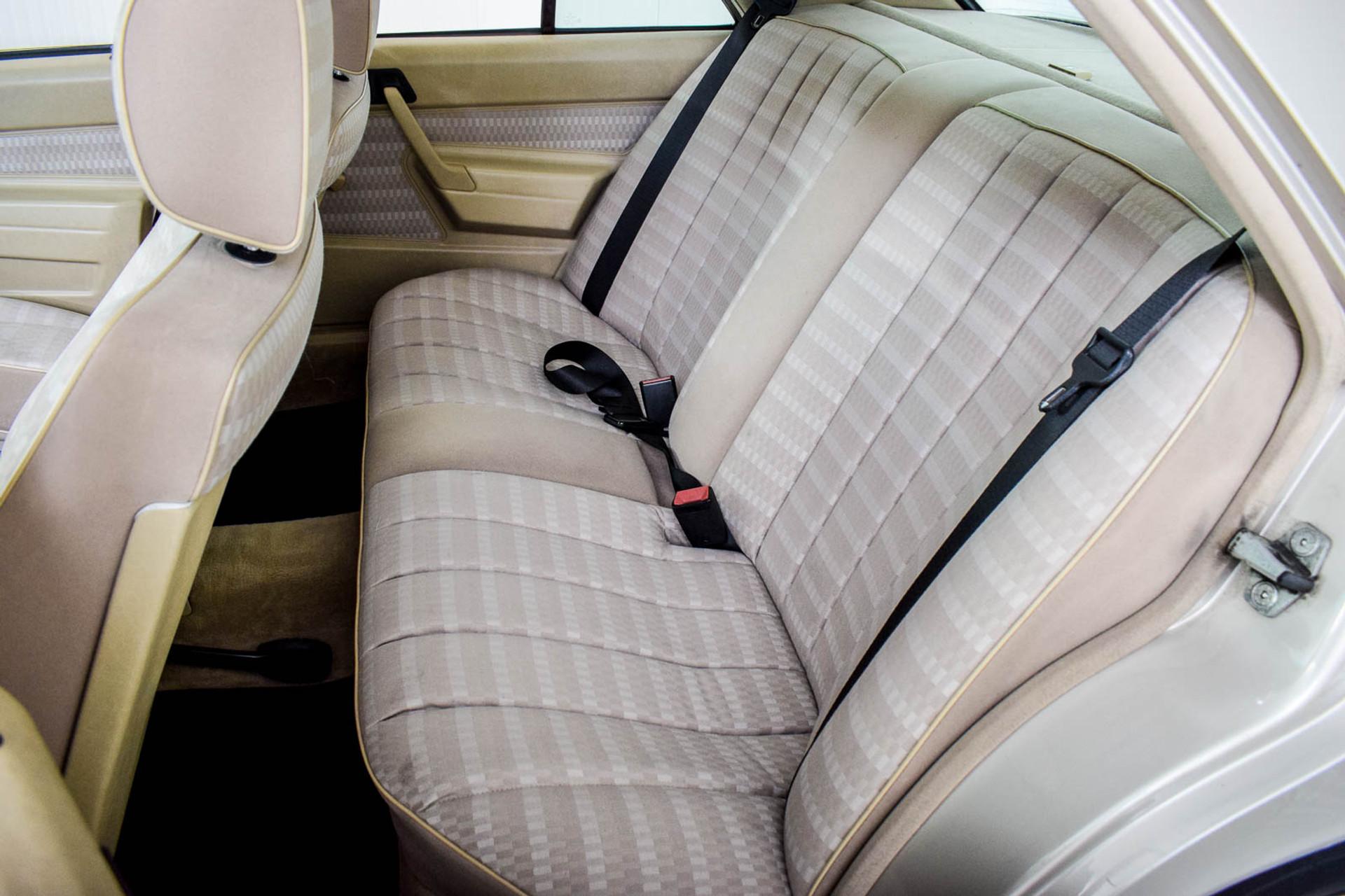 Mercedes-Benz 190 2.5 D Turbo Diesel Foto 6