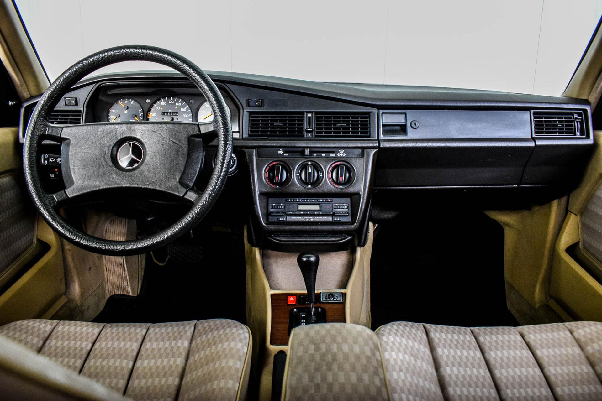 Mercedes-Benz 190 2.5 D Turbo Diesel Foto 7