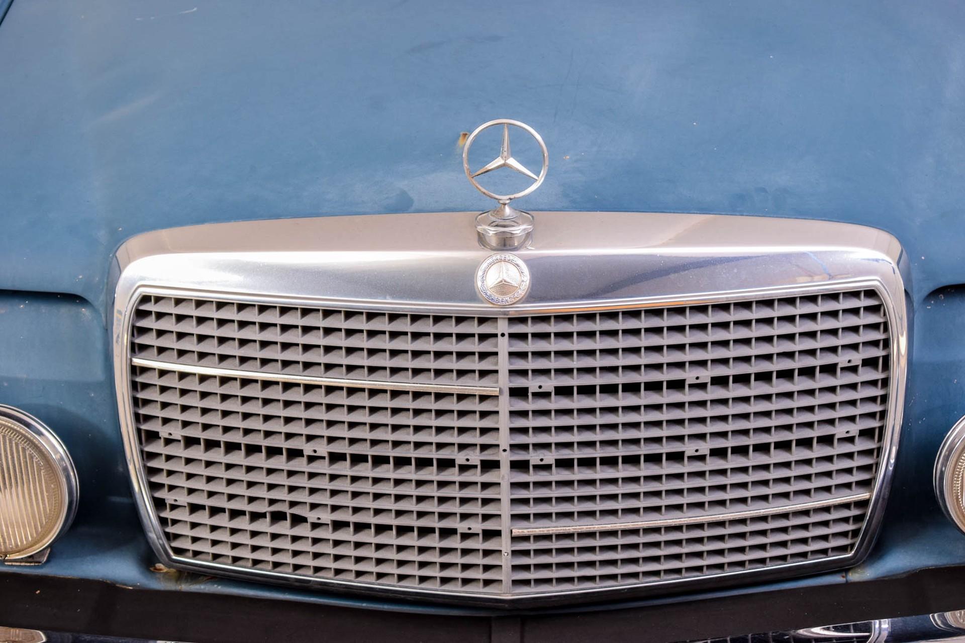 Mercedes-Benz 200-serie 300D Foto 11