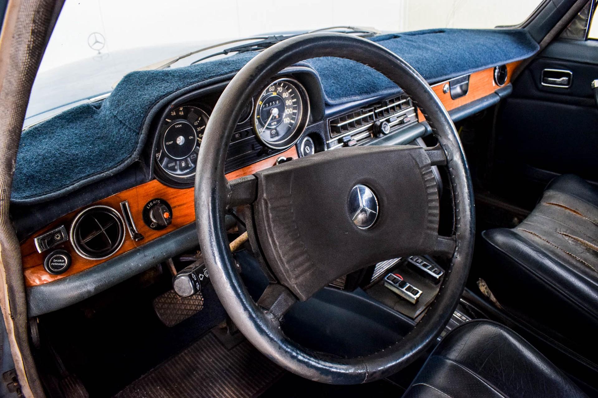 Mercedes-Benz 200-serie 300D Foto 25