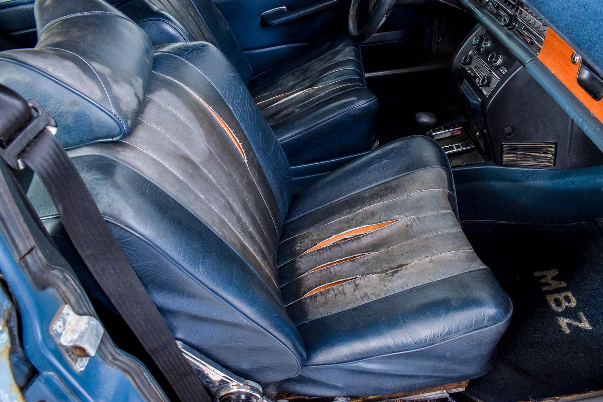 Mercedes-Benz 200-serie 300D Foto 29