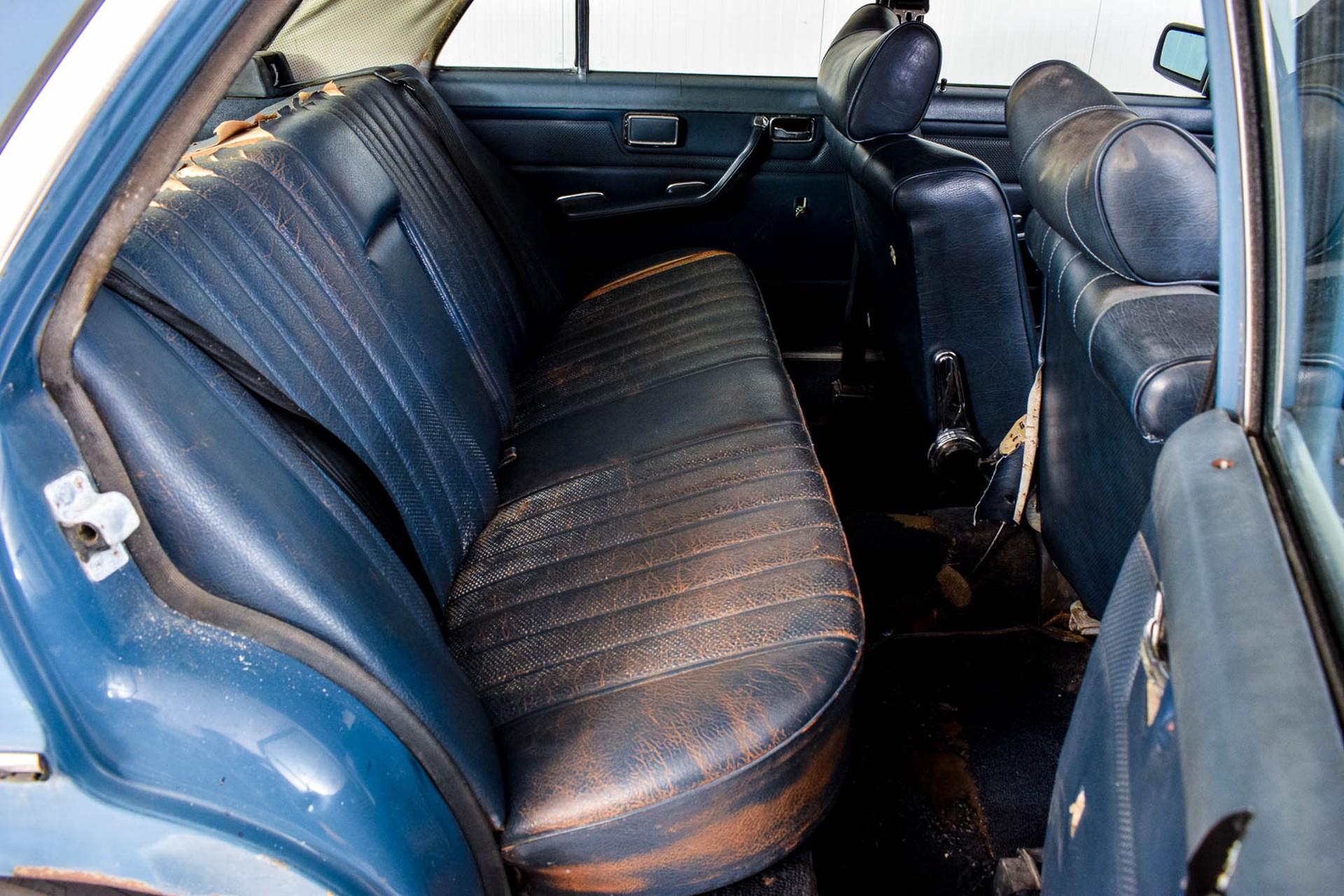 Mercedes-Benz 200-serie 300D Foto 31