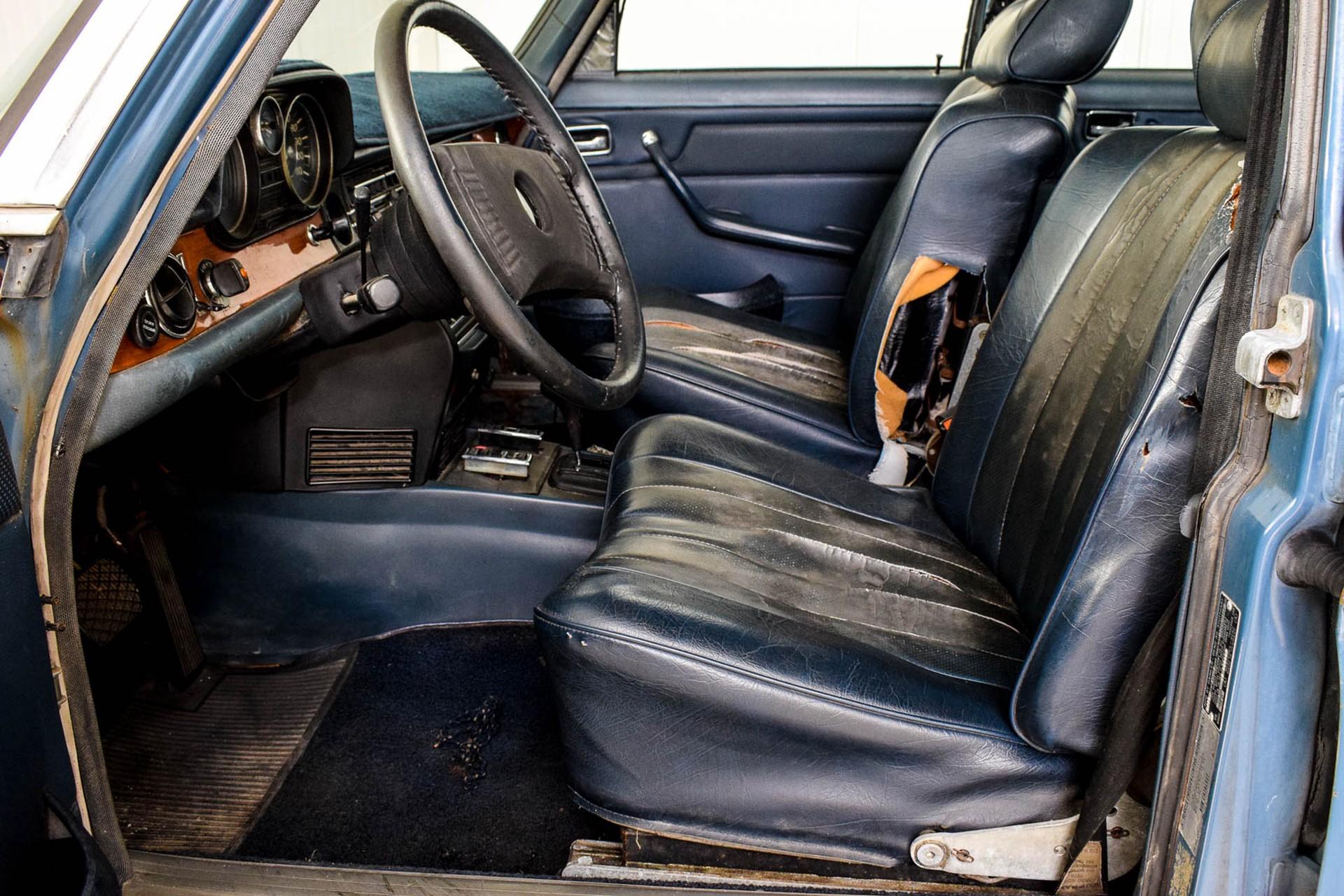 Mercedes-Benz 200-serie 300D Foto 33