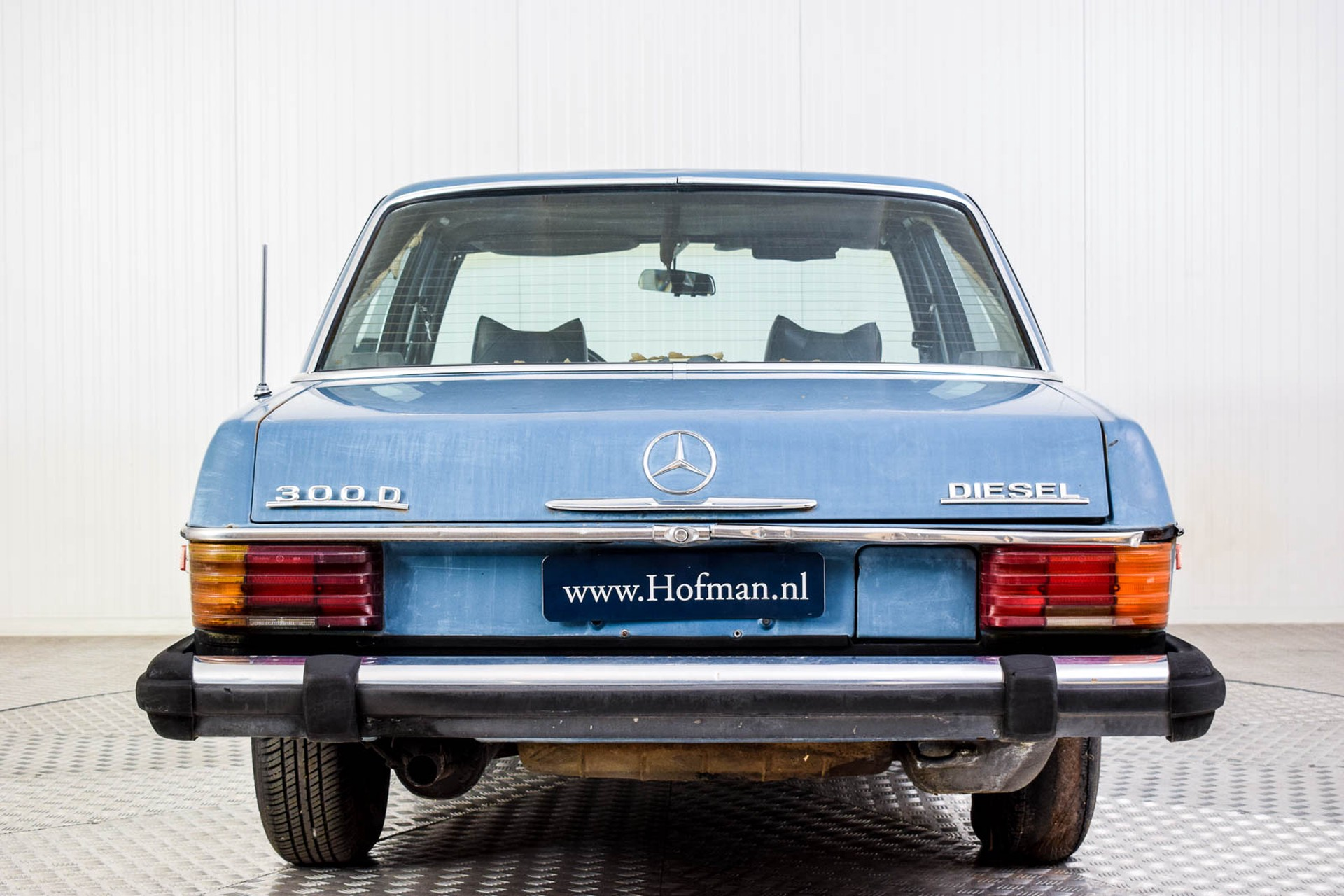 Mercedes-Benz 200-serie 300D Foto 4