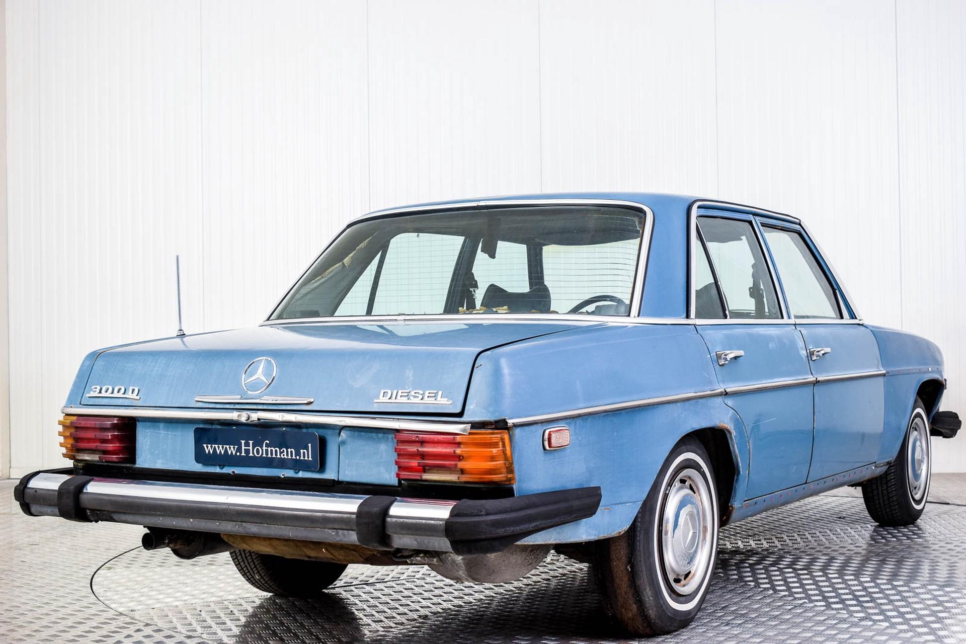 Mercedes-Benz 200-serie 300D Foto 8