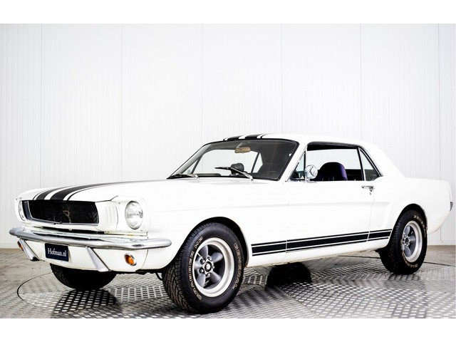 Ford Mustang V8 automaat Foto 1