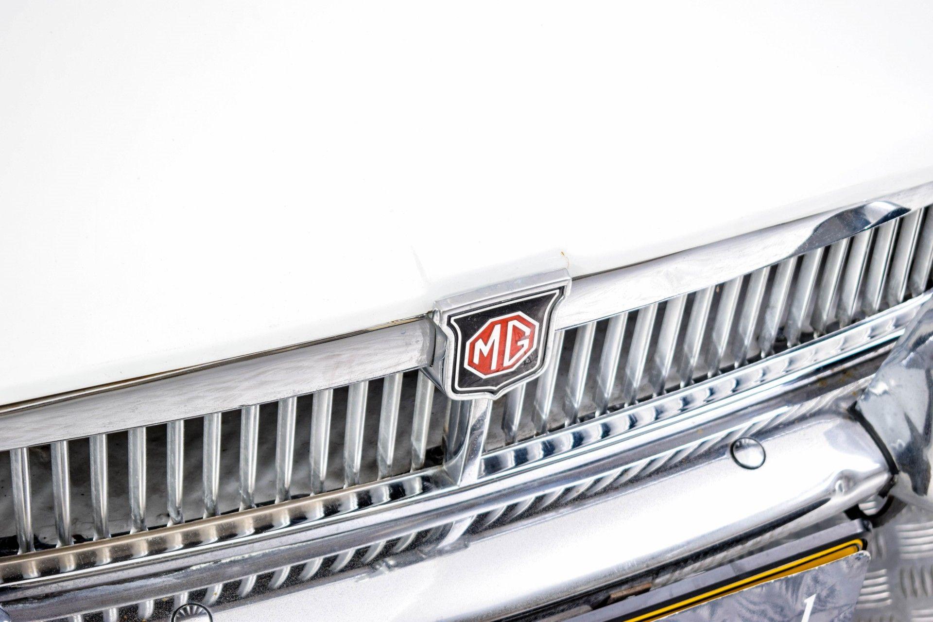 MG B MGB Roadster Foto 31