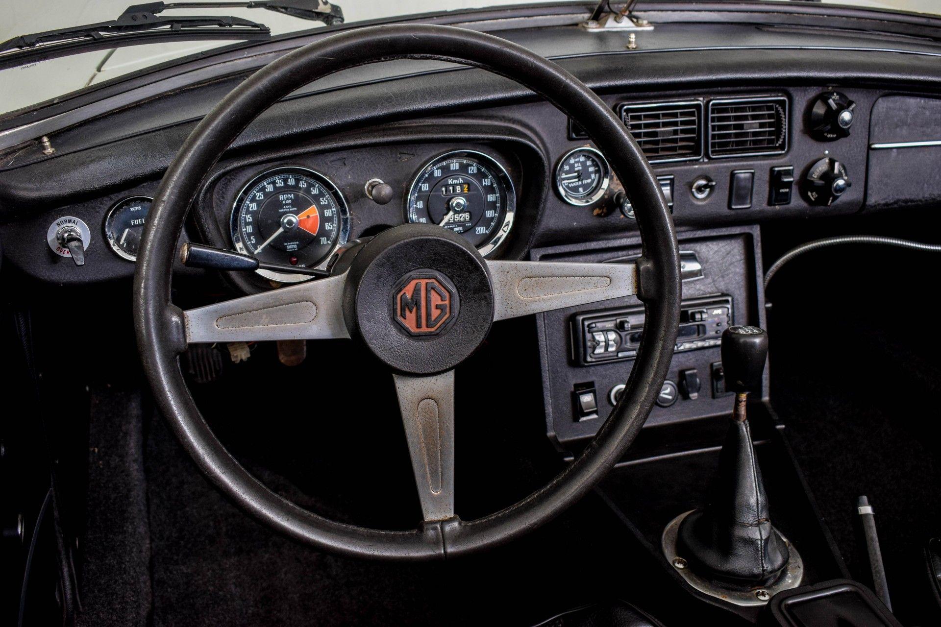 MG B MGB Roadster Foto 47