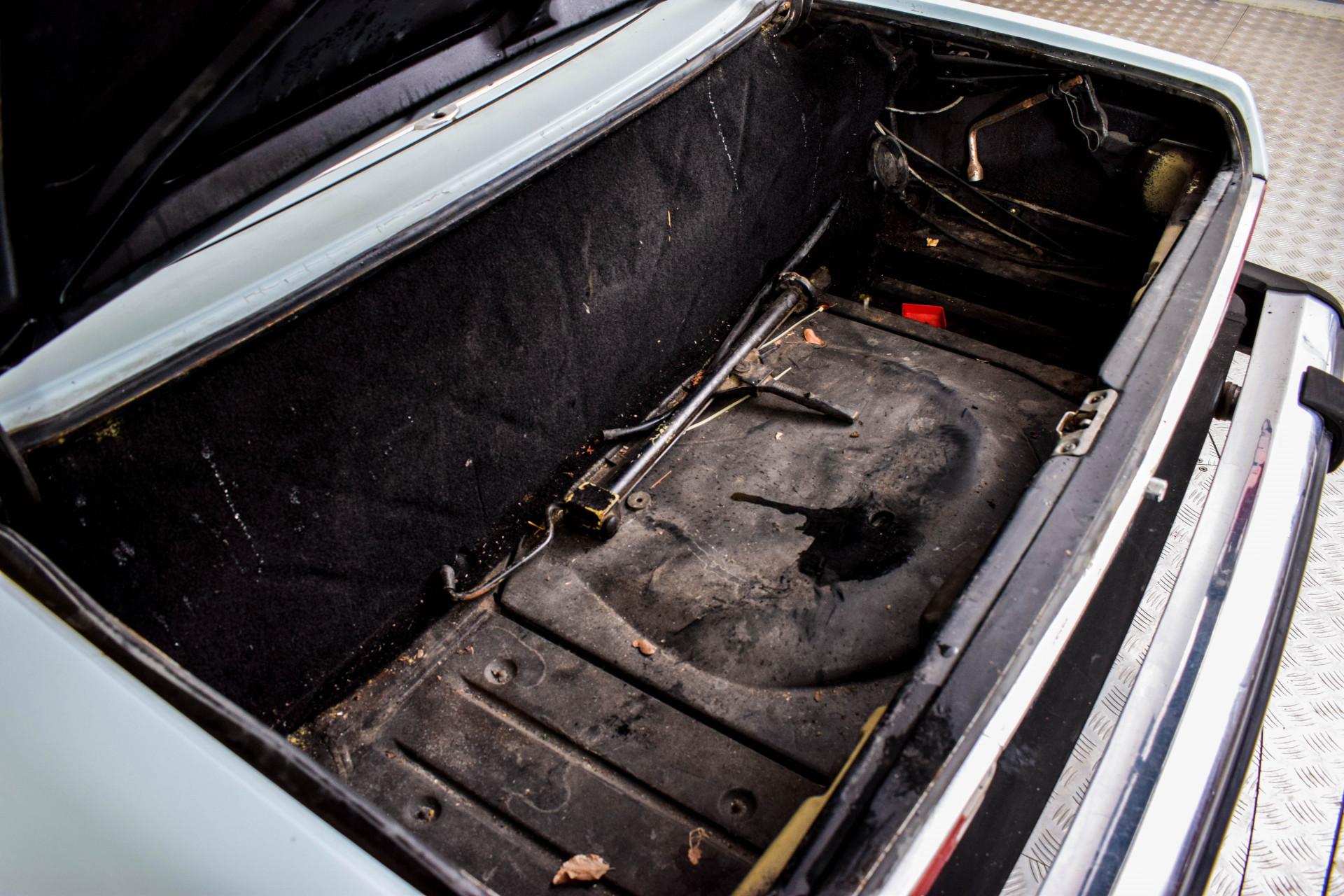 Mercedes-Benz SL-Klasse 450 SL Roadster Foto 28