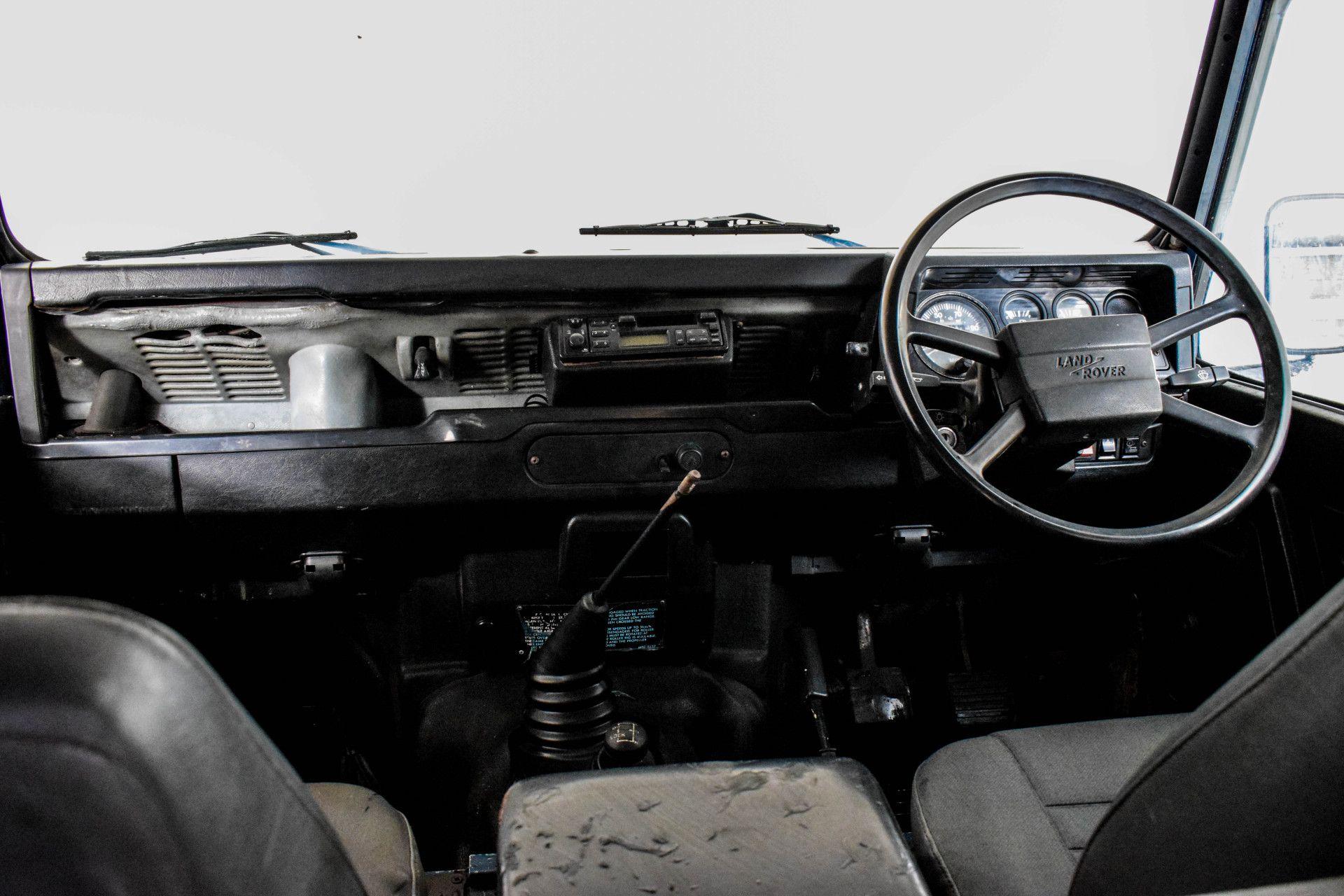 Land Rover Defender 90 2.5 TDI Foto 28