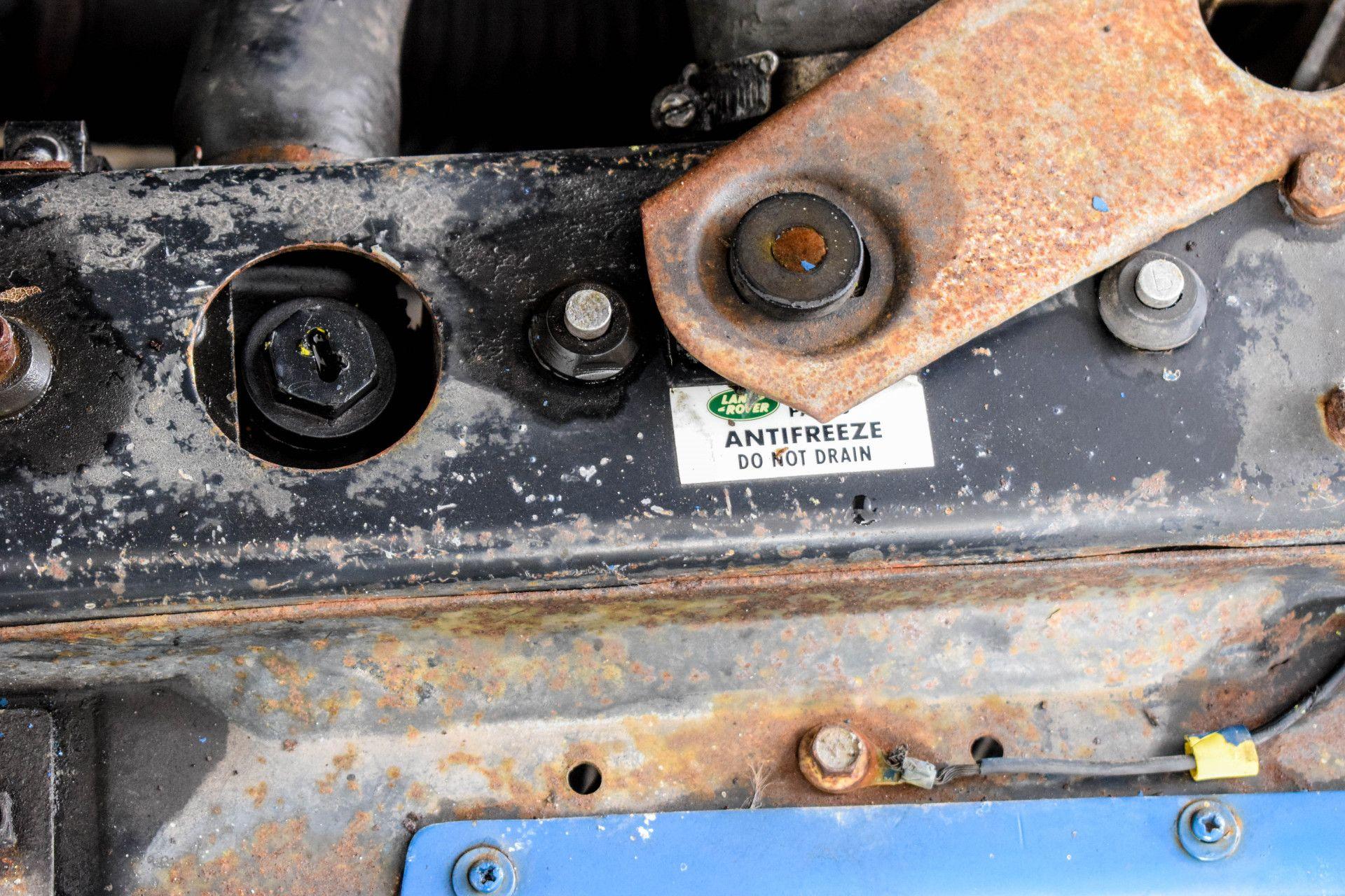 Land Rover Defender 90 2.5 TDI Foto 40