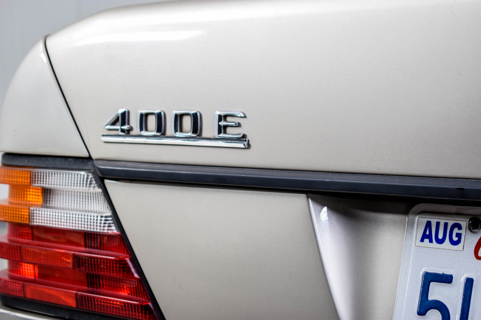 Mercedes-Benz 200-serie 400 E V8 Foto 31