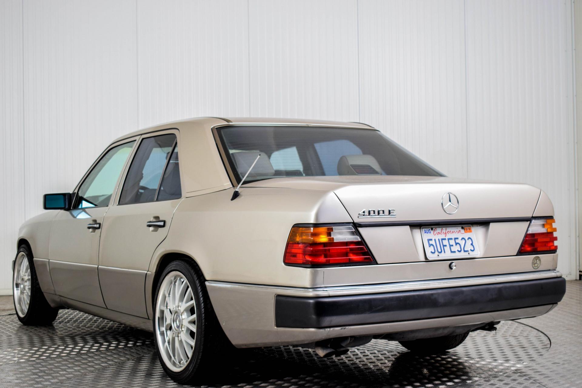Mercedes-Benz 200-serie 400 E V8 Foto 39