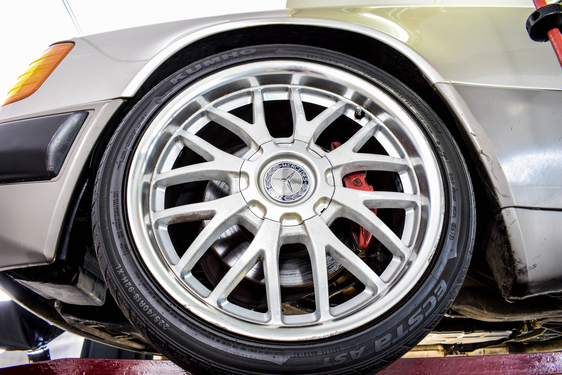 Mercedes-Benz 200-serie 400 E V8 Foto 59