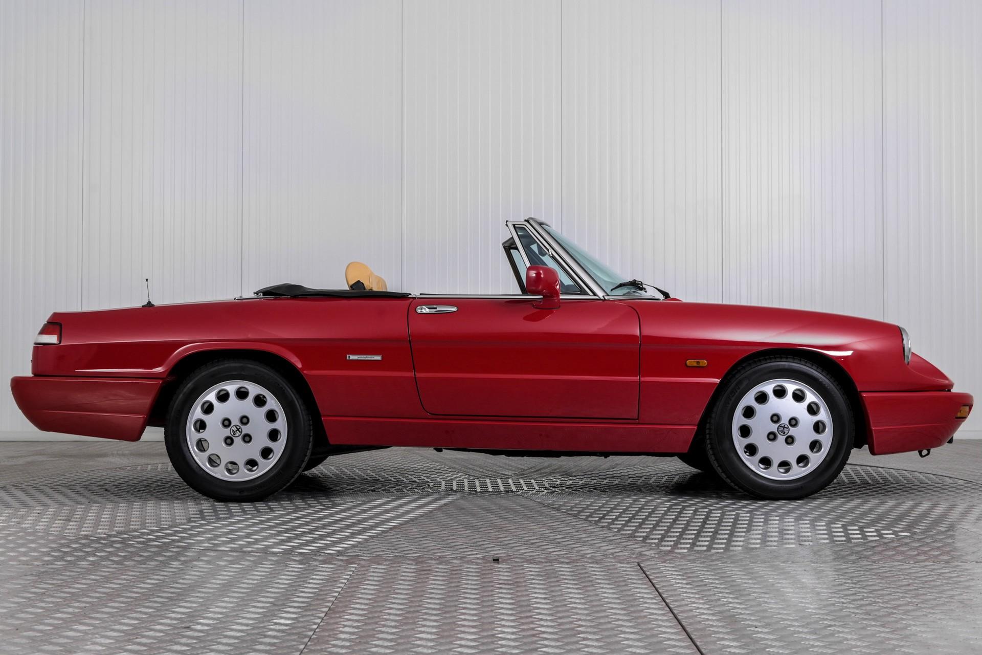 Alfa Romeo Spider 2.0i Serie 4 Foto 28