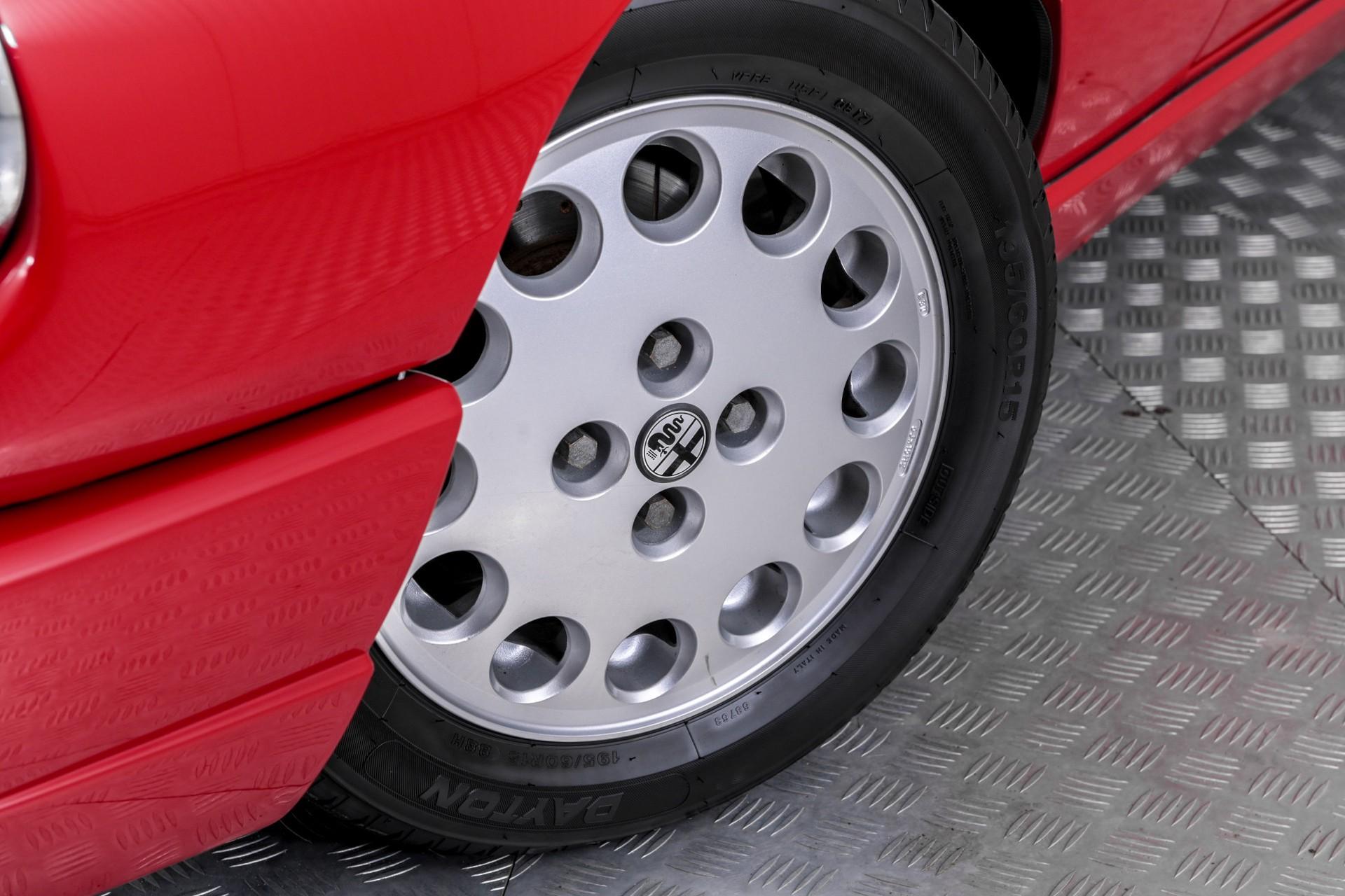 Alfa Romeo Spider 2.0i Serie 4 Foto 60