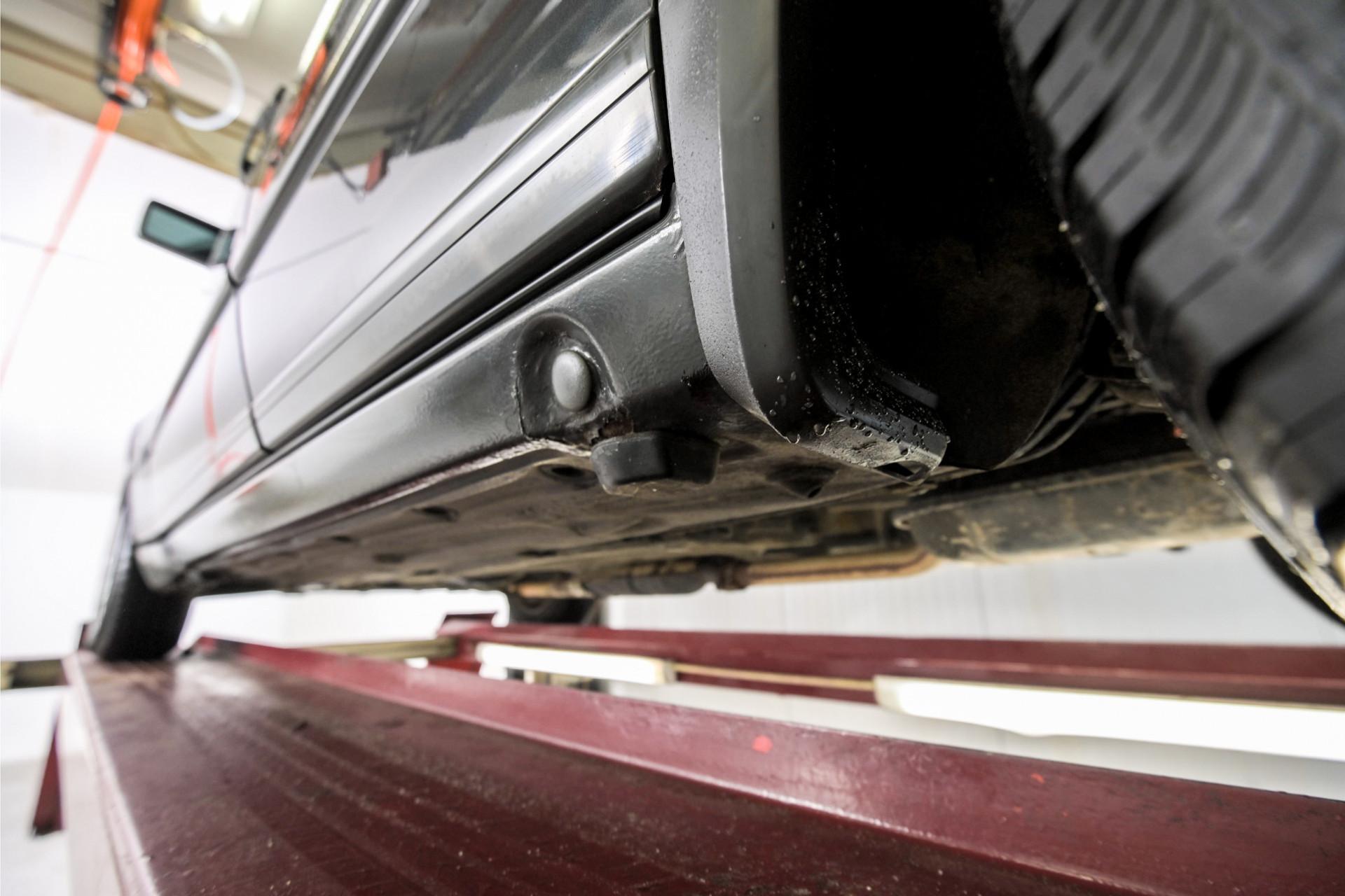 Mercedes-Benz 200-serie 230 Sedan Foto 58