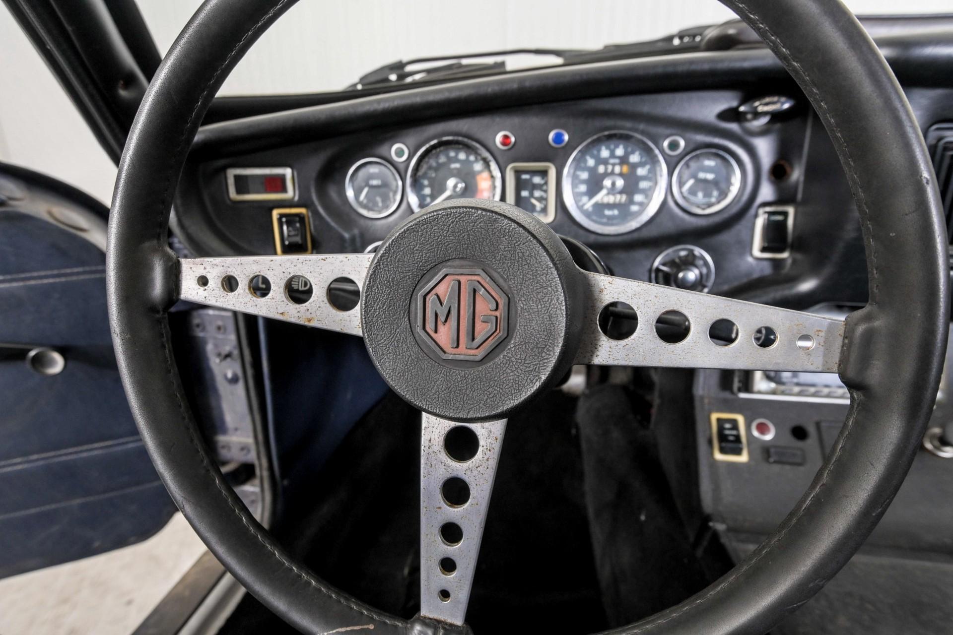 MG B 1.8 GT overdrive Foto 21