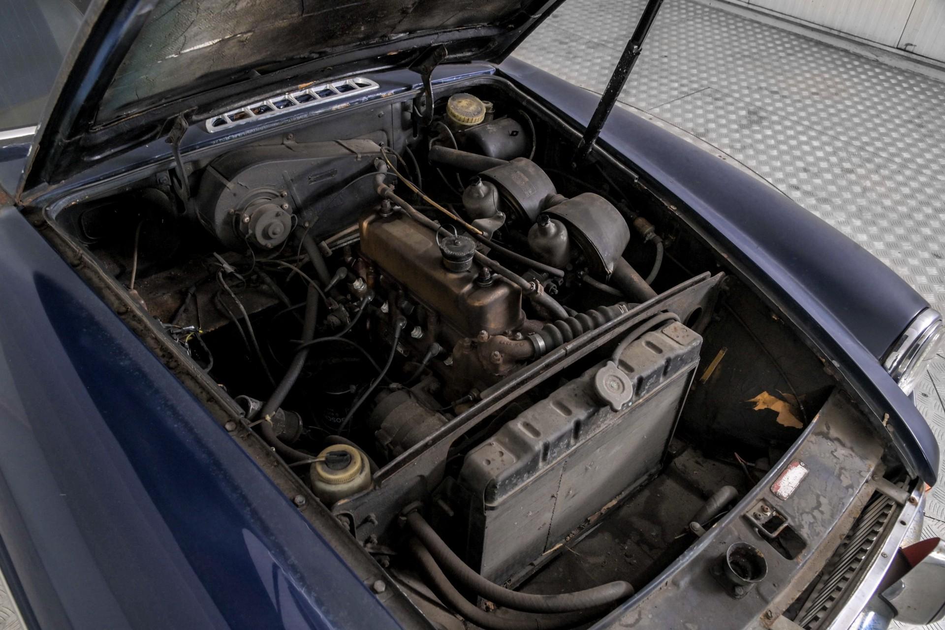 MG B 1.8 GT overdrive Foto 38