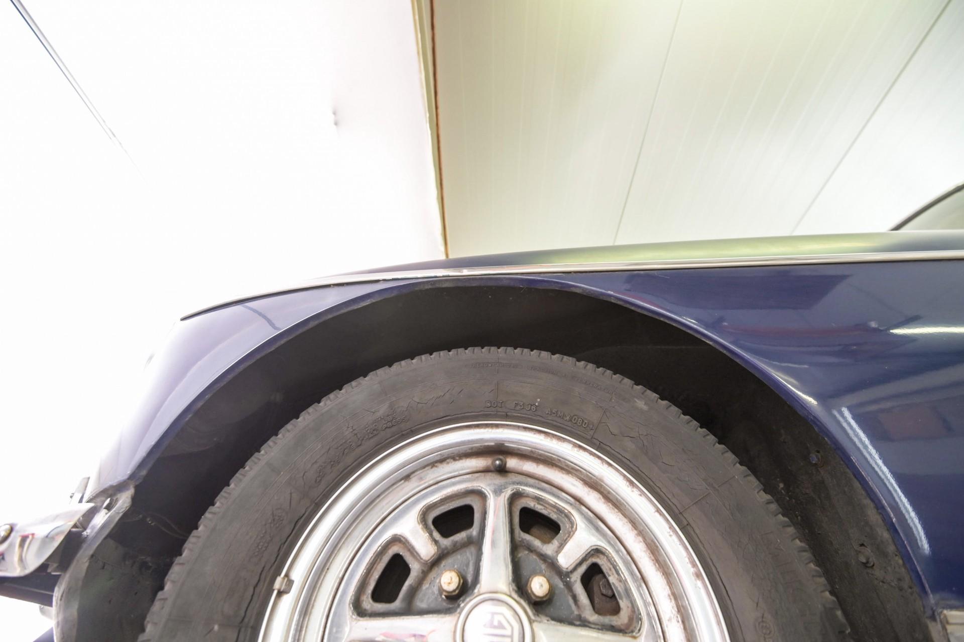 MG B 1.8 GT overdrive Foto 77