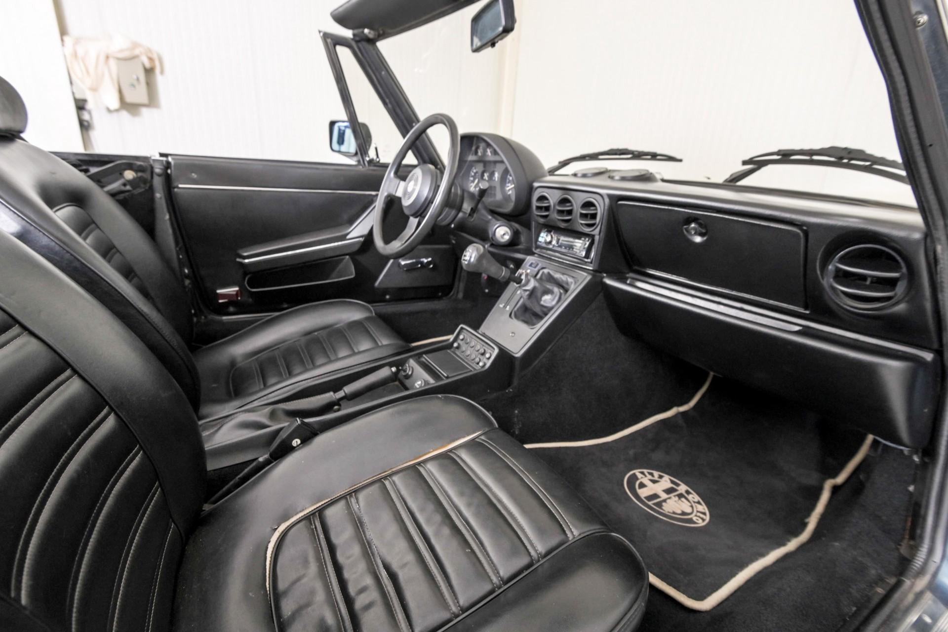 Alfa Romeo Spider 1.6 Foto 10