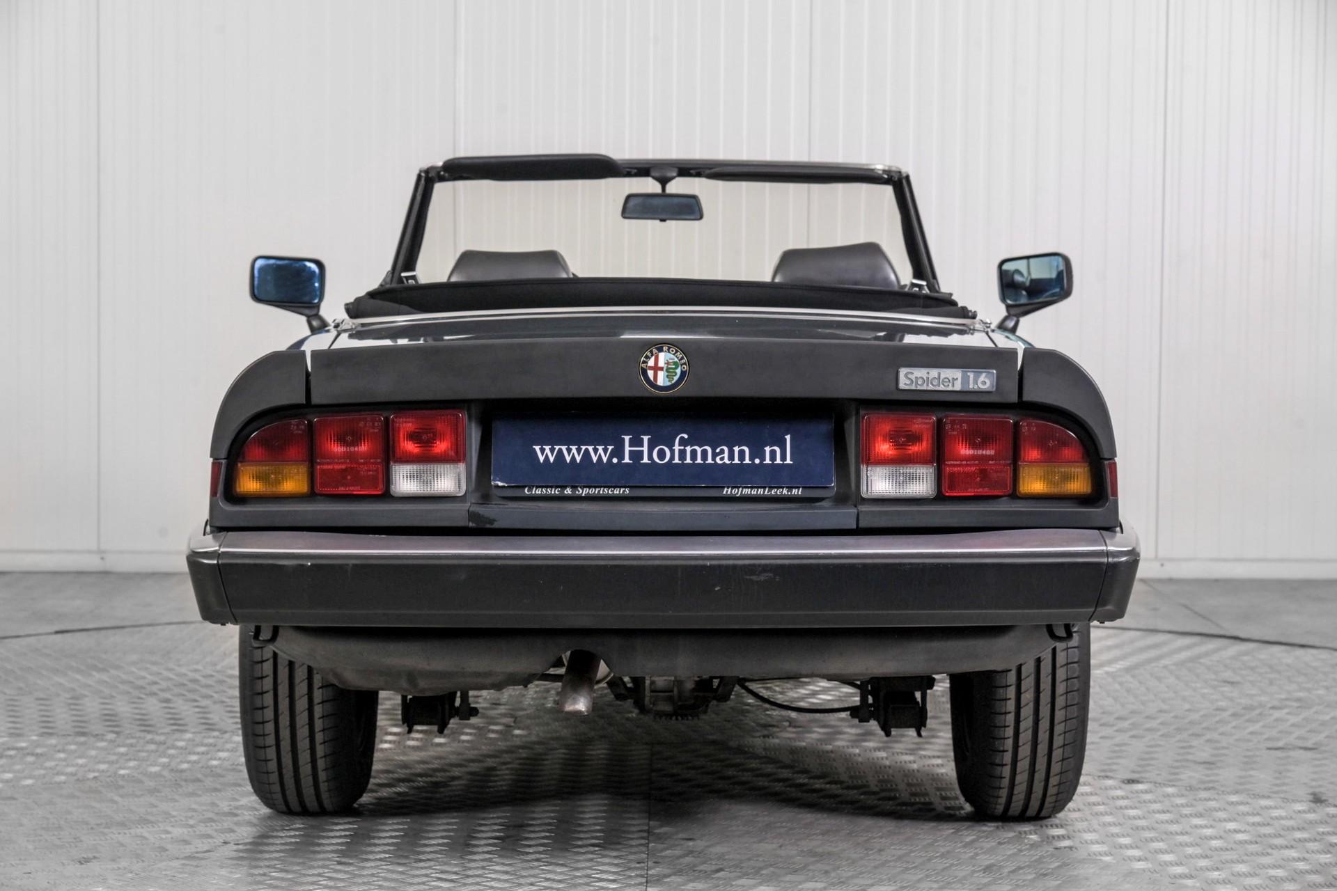 Alfa Romeo Spider 1.6 Foto 12