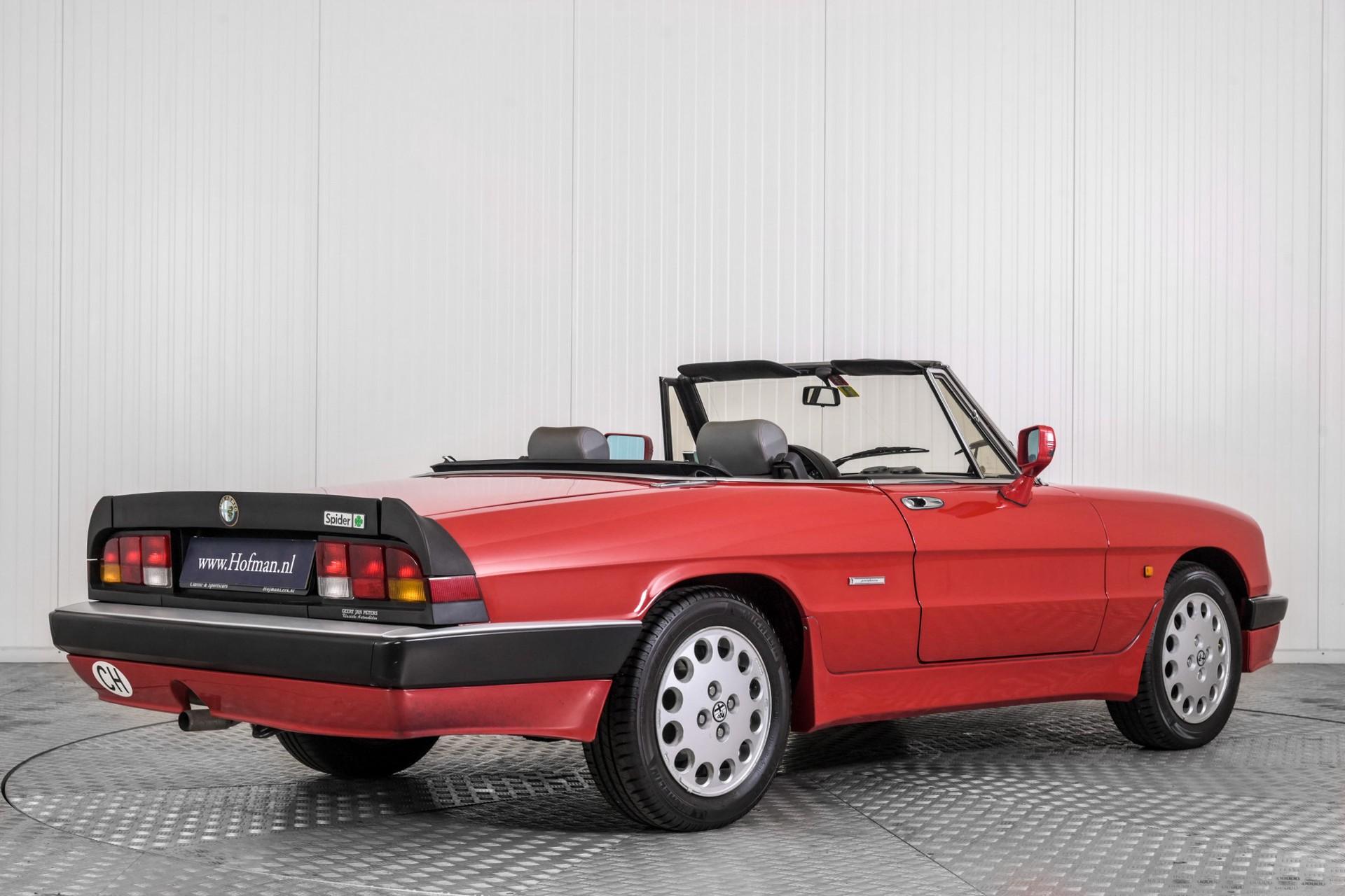 Alfa Romeo Spider 2.0 QV quadrifoglio verde slechts 75.000 KM! Foto 2
