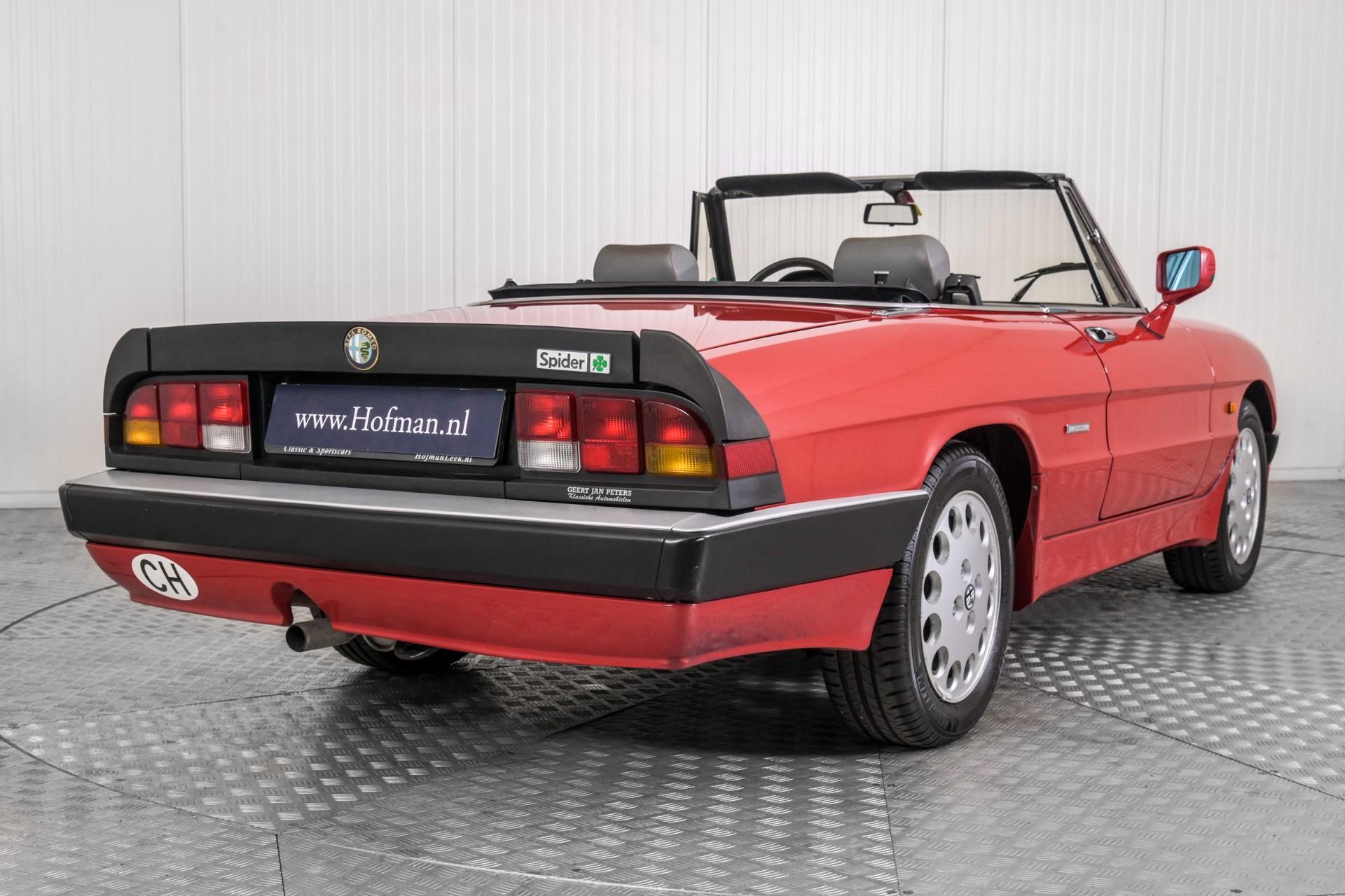 Alfa Romeo Spider 2.0 QV quadrifoglio verde slechts 75.000 KM! Foto 24