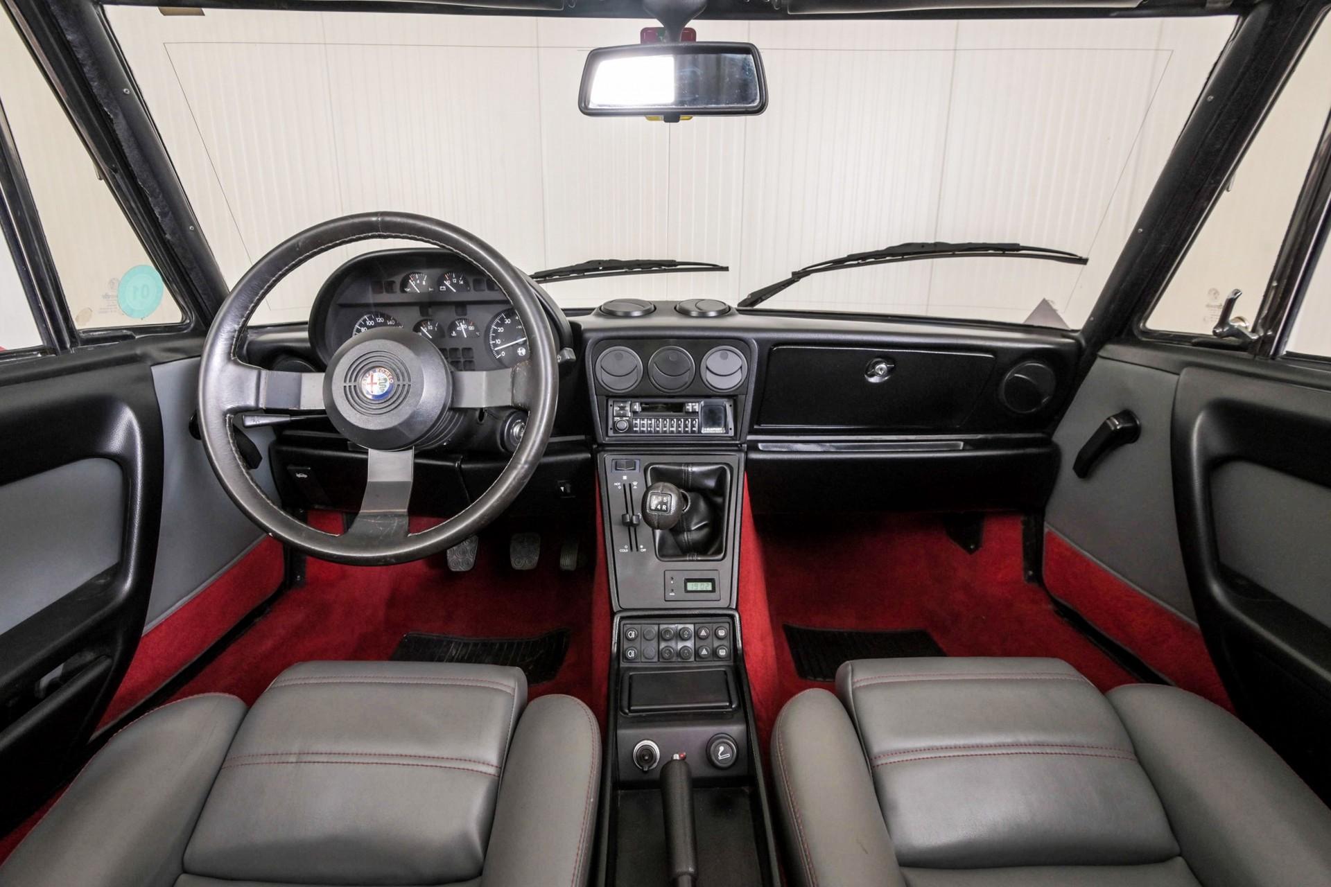 Alfa Romeo Spider 2.0 QV quadrifoglio verde slechts 75.000 KM! Foto 4
