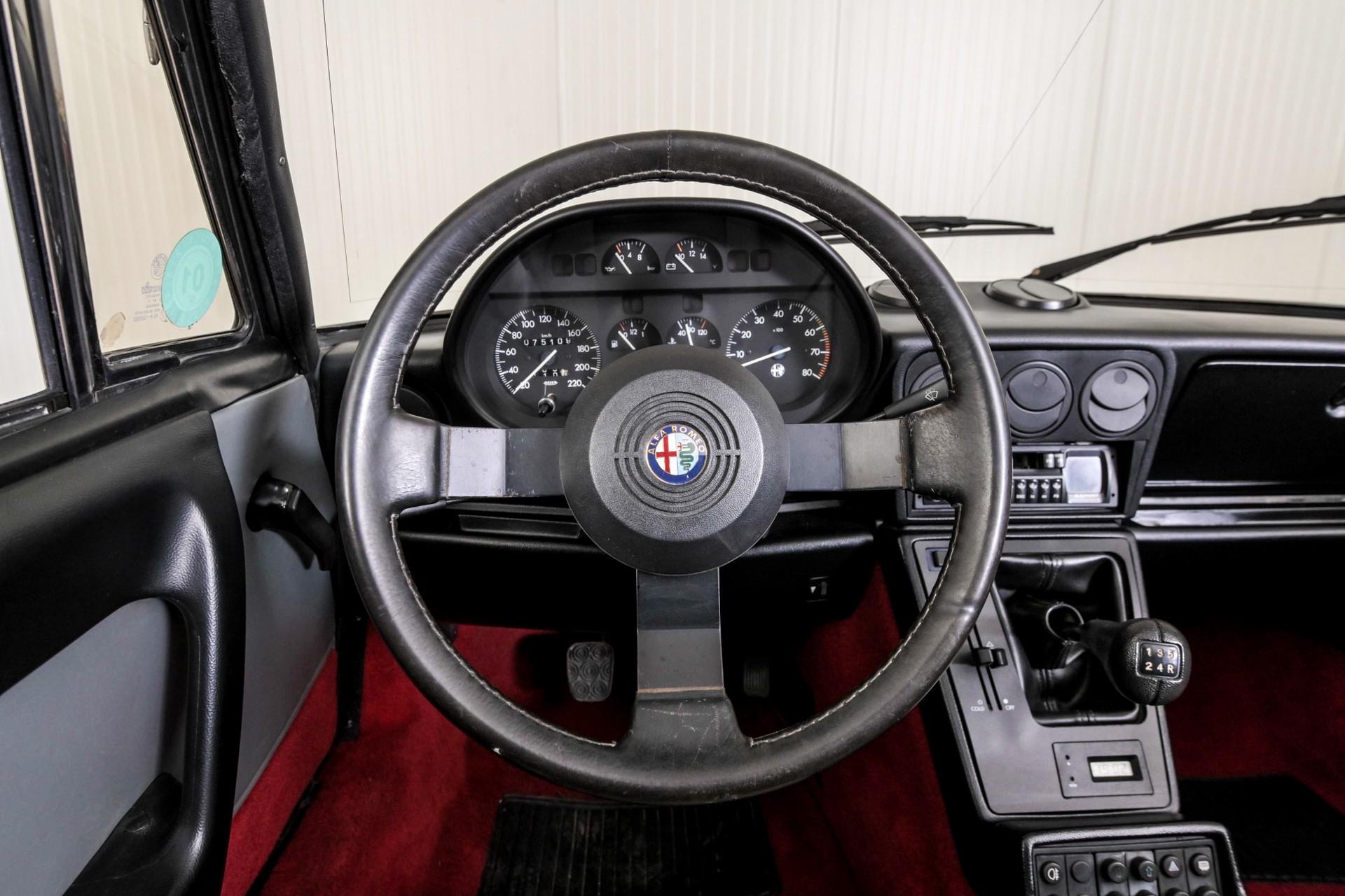 Alfa Romeo Spider 2.0 QV quadrifoglio verde slechts 75.000 KM! Foto 6