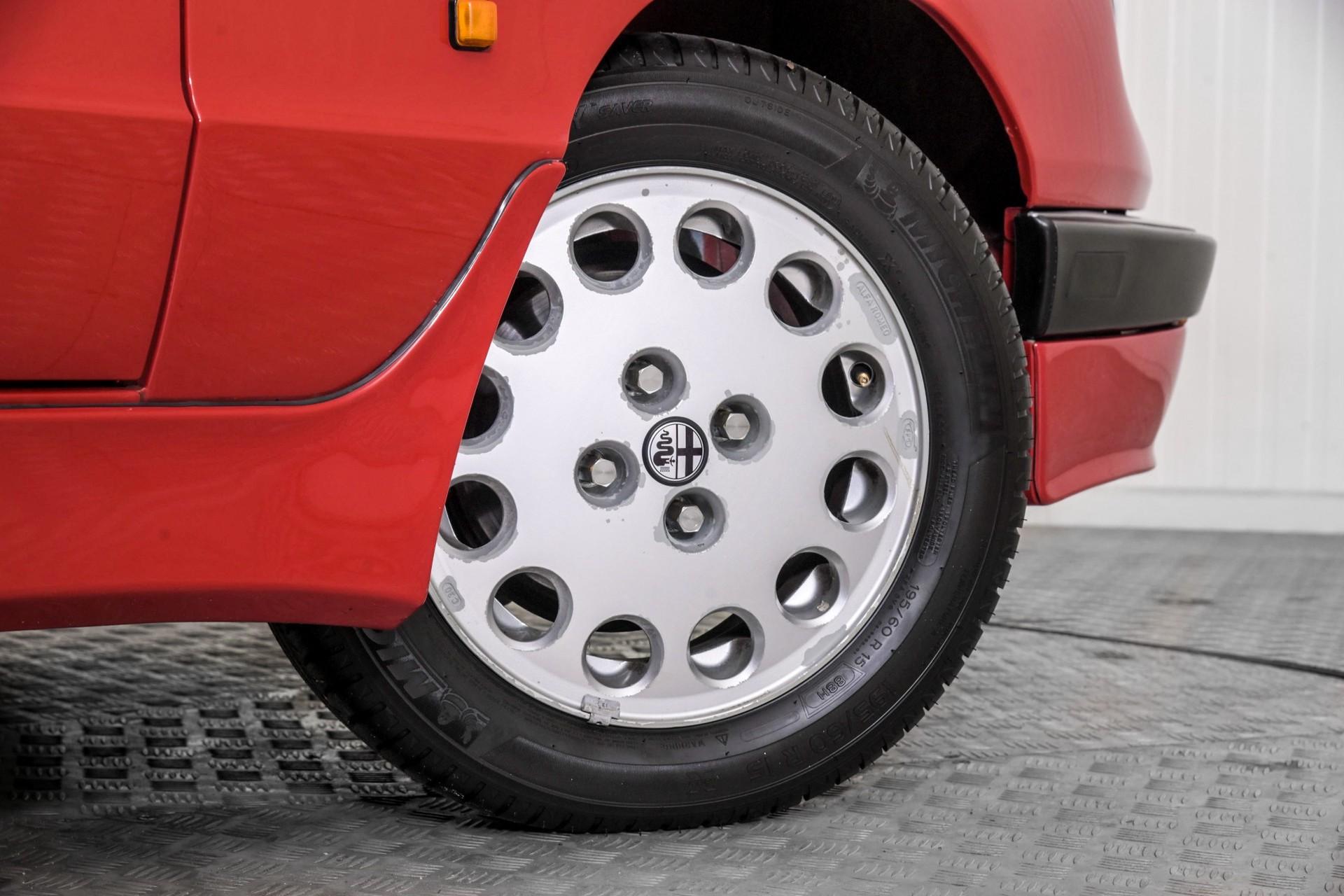 Alfa Romeo Spider 2.0 QV quadrifoglio verde slechts 75.000 KM! Foto 67