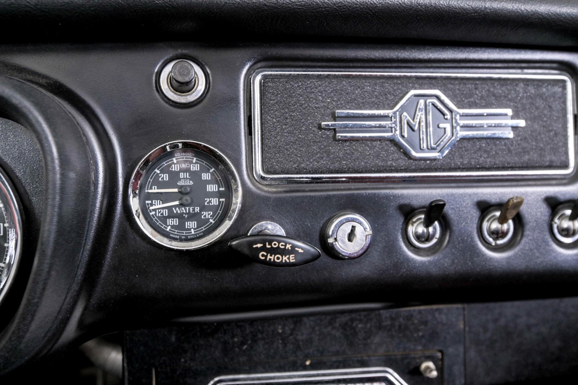 MG B MGB 1.8 Roadster lepeldeur Foto 40