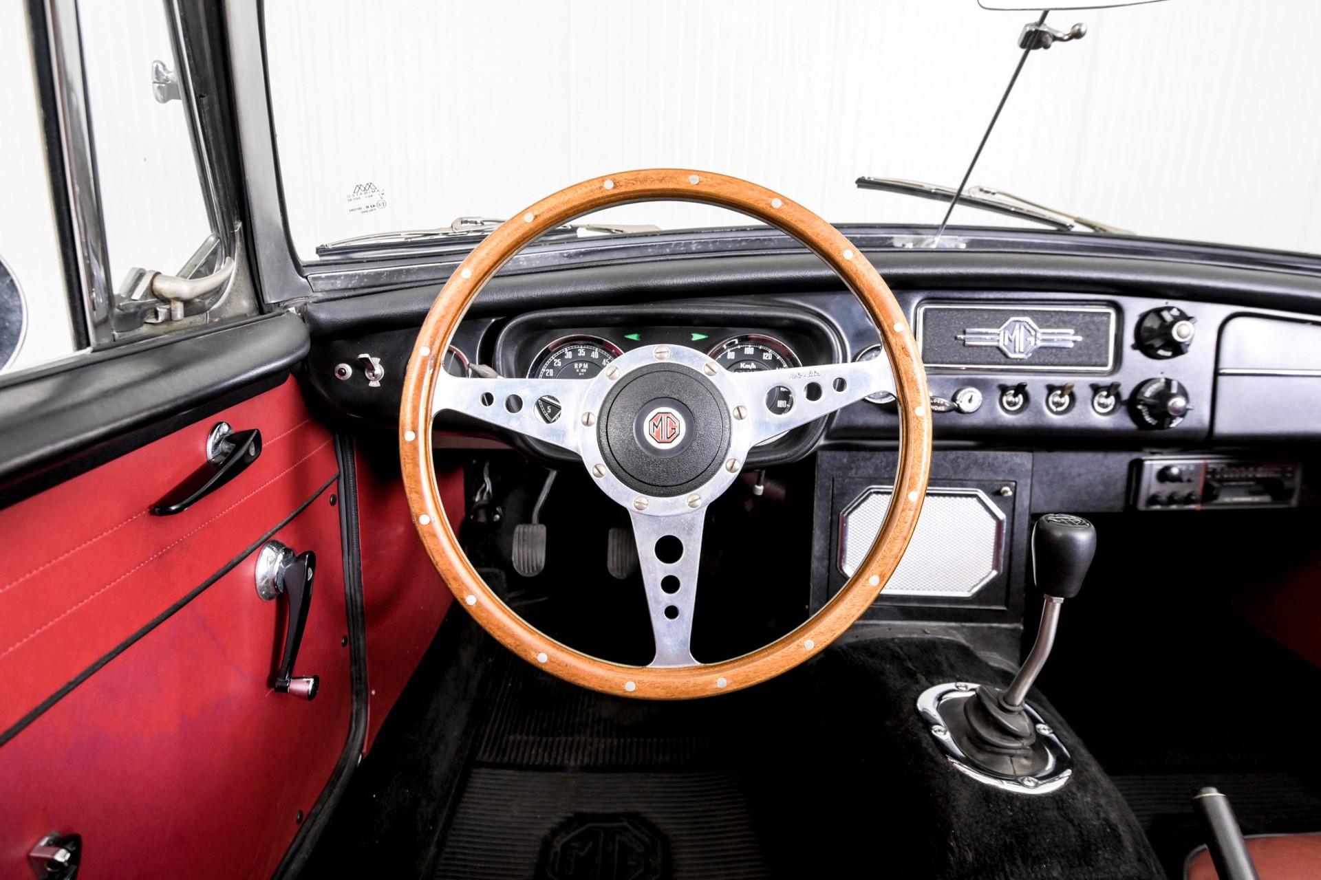MG B MGB 1.8 Roadster lepeldeur Foto 5