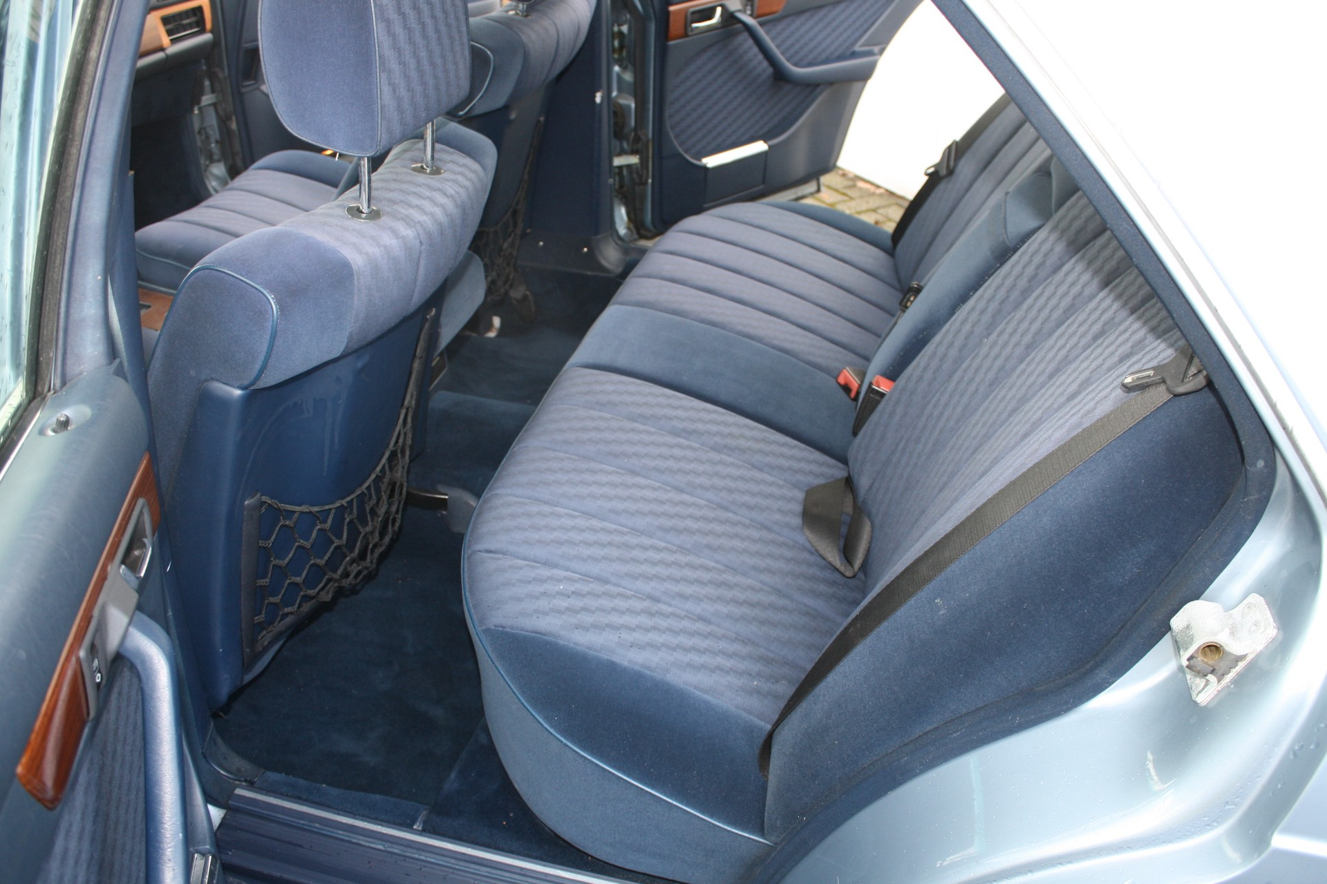 Mercedes-Benz S-Klasse 420 SEL Foto 5