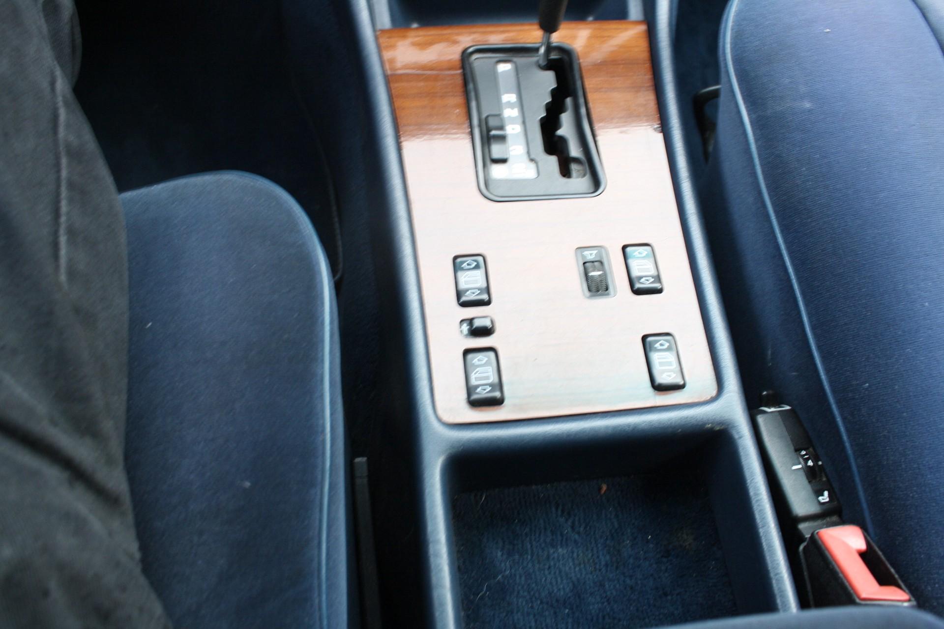 Mercedes-Benz S-Klasse 420 SEL Foto 9