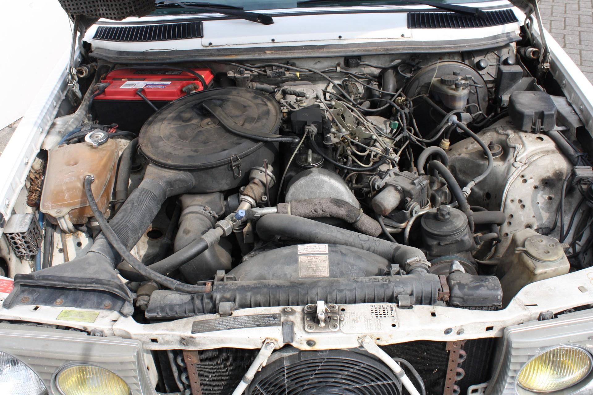 Mercedes-Benz 300-serie 300 CD Turbo diesel Foto 11