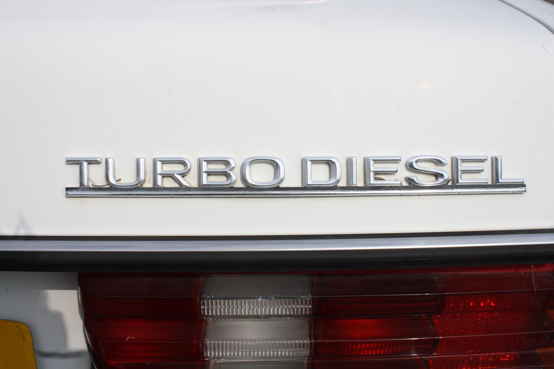 Mercedes-Benz 300-serie 300 CD Turbo diesel Foto 15
