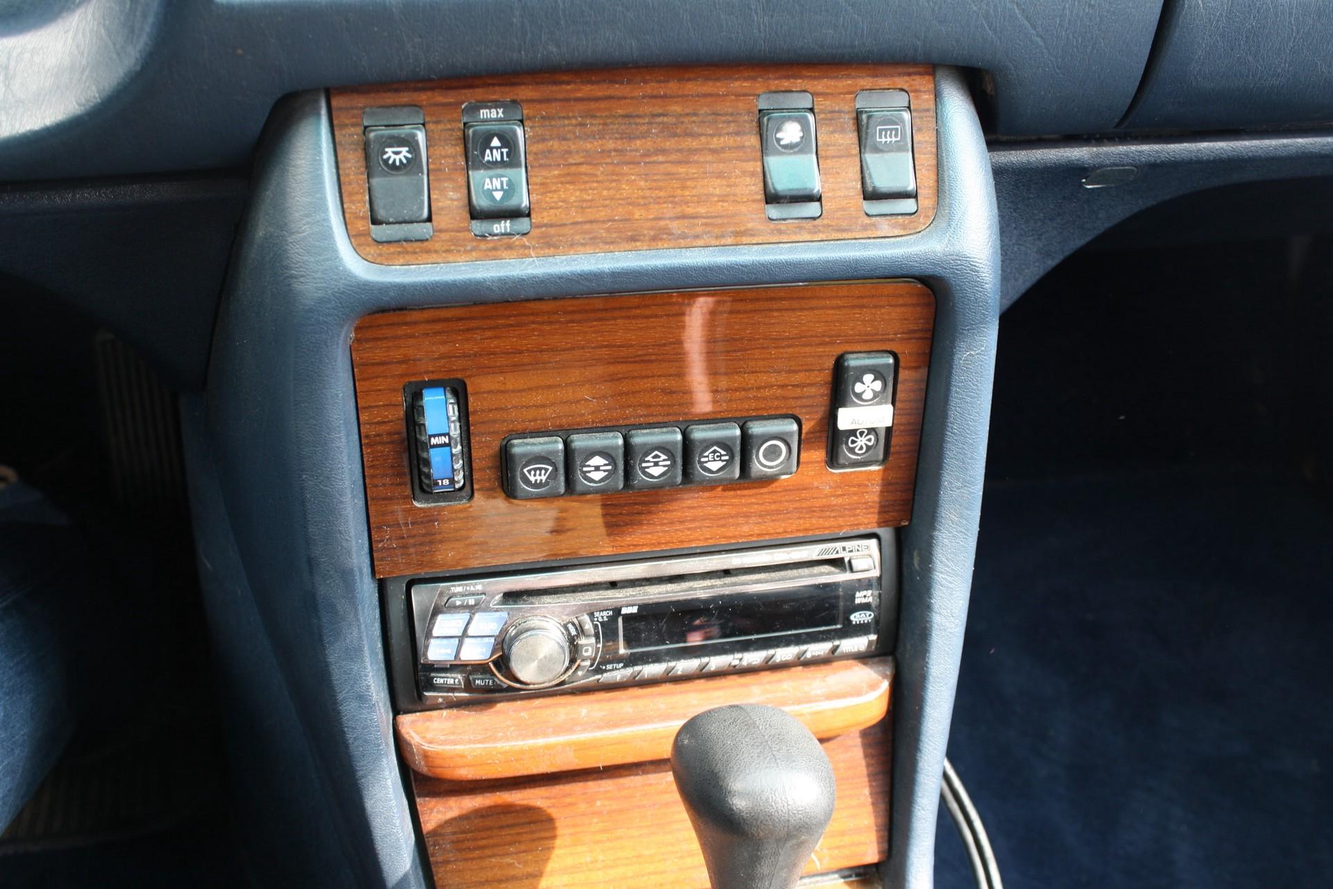 Mercedes-Benz 300-serie 300 CD Turbo diesel Foto 3